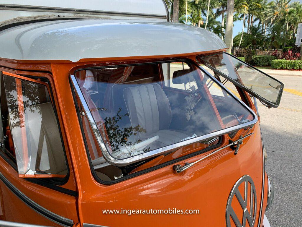 Volkswagen Bus Camper VW windows