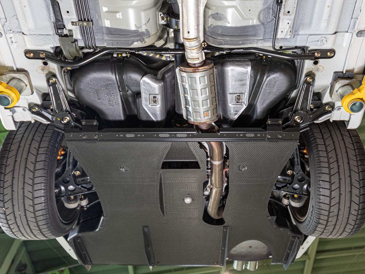 Nissan Skyline GTR underside