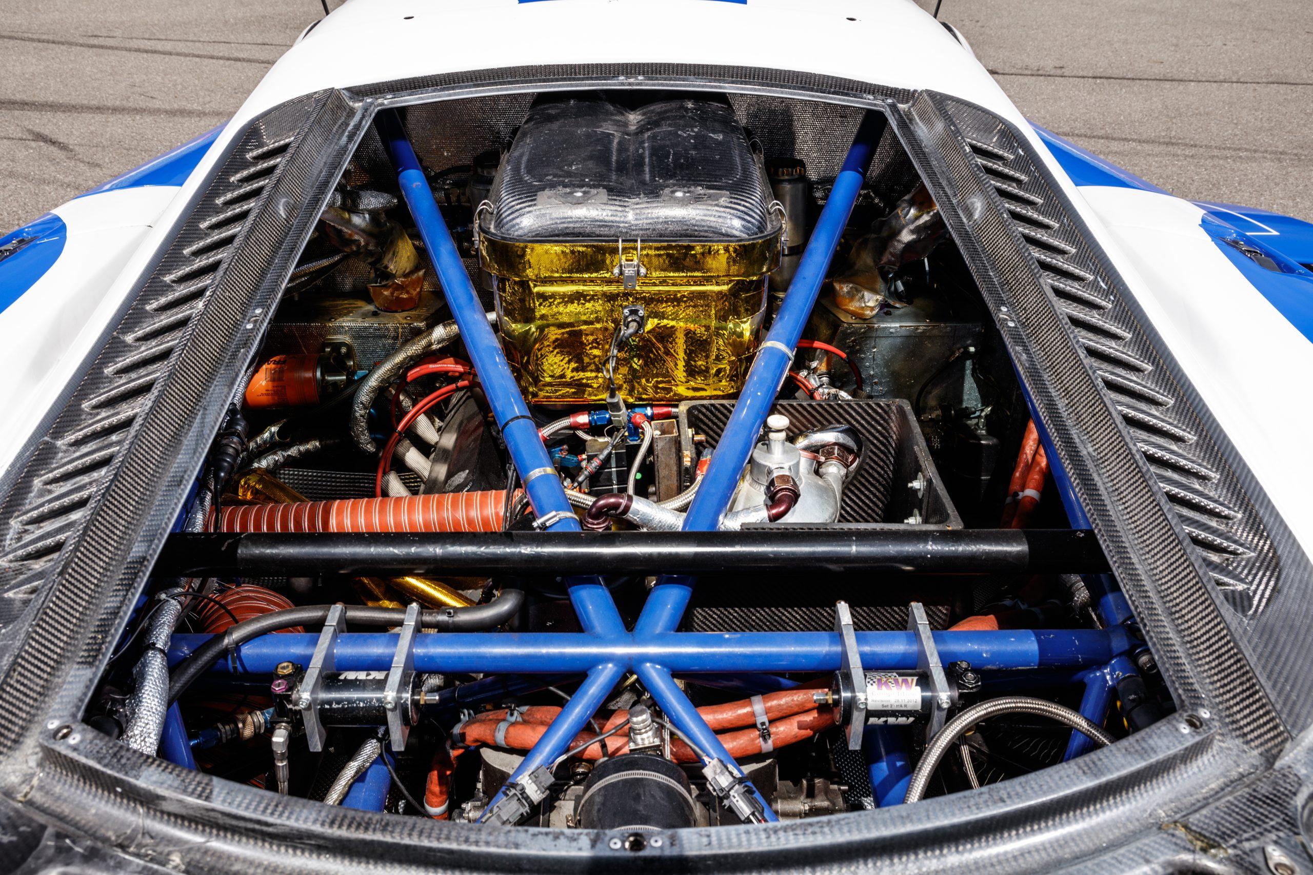 2005-Saleen-S7R engine bay