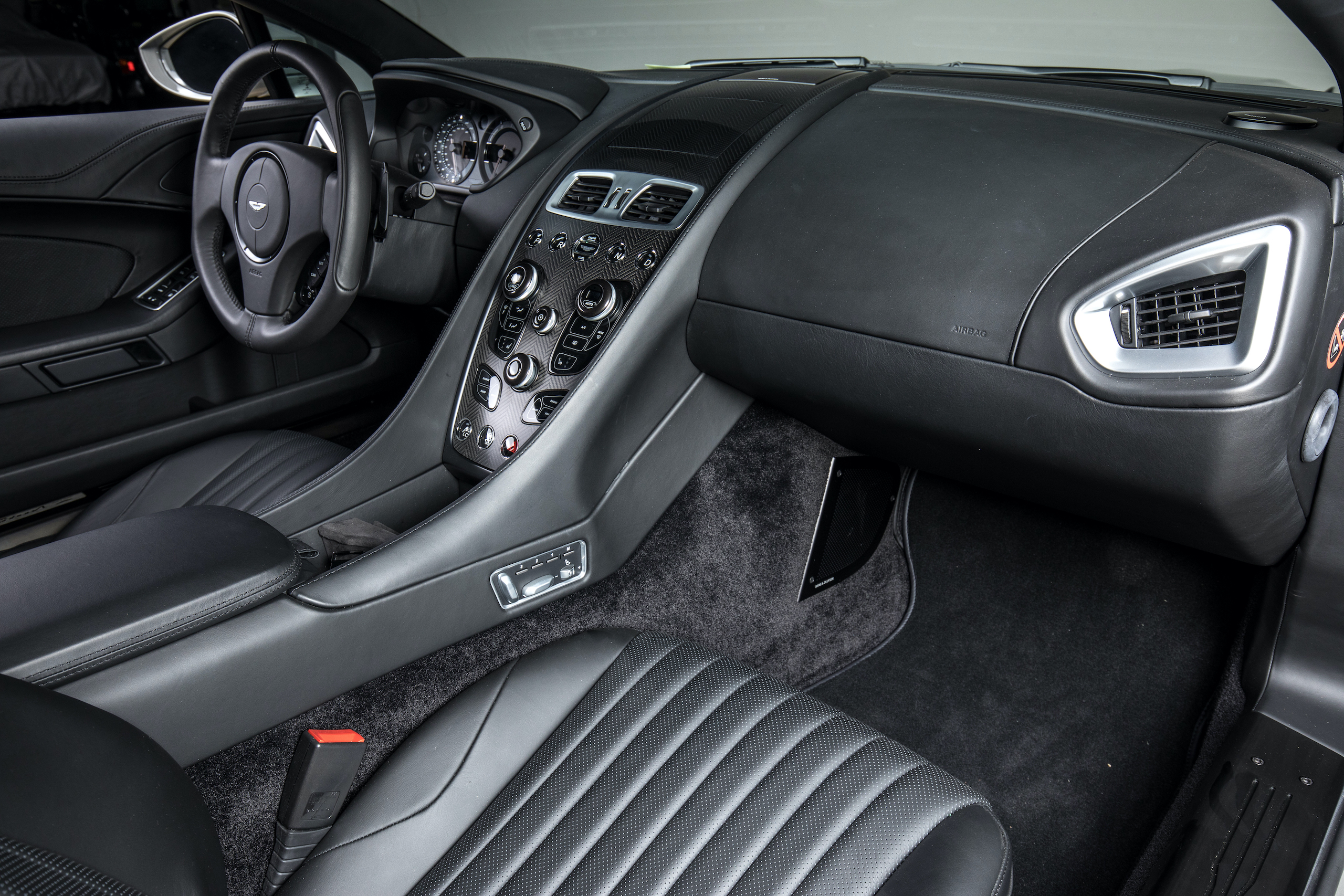 aston martin vanquish zagato coupe interior