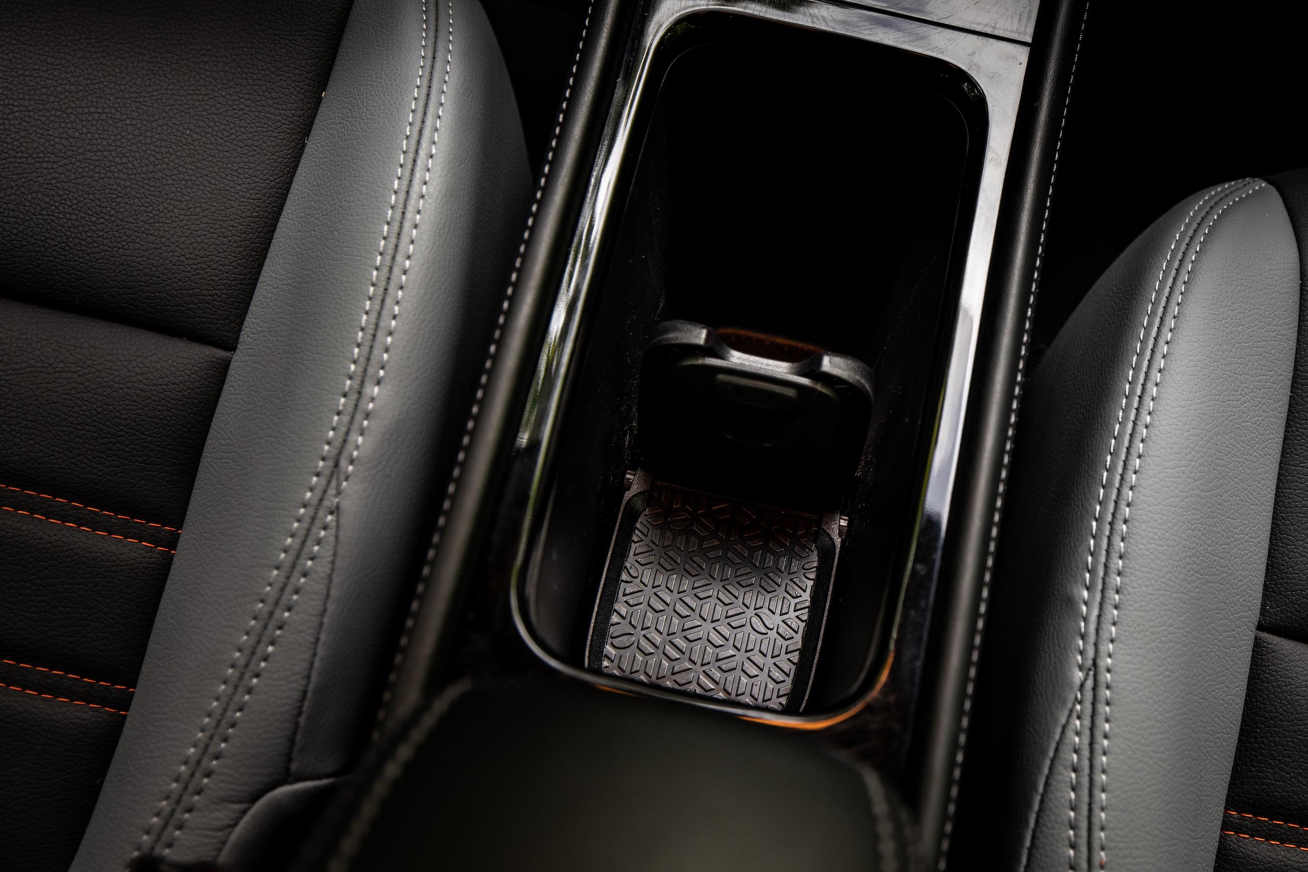 Nissan Kicks center console