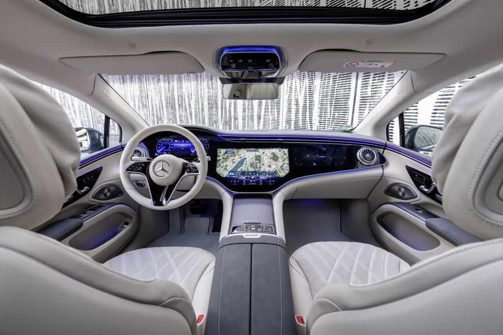 2022 EQS 580 4MATIC Sedan (Euro spec) interior