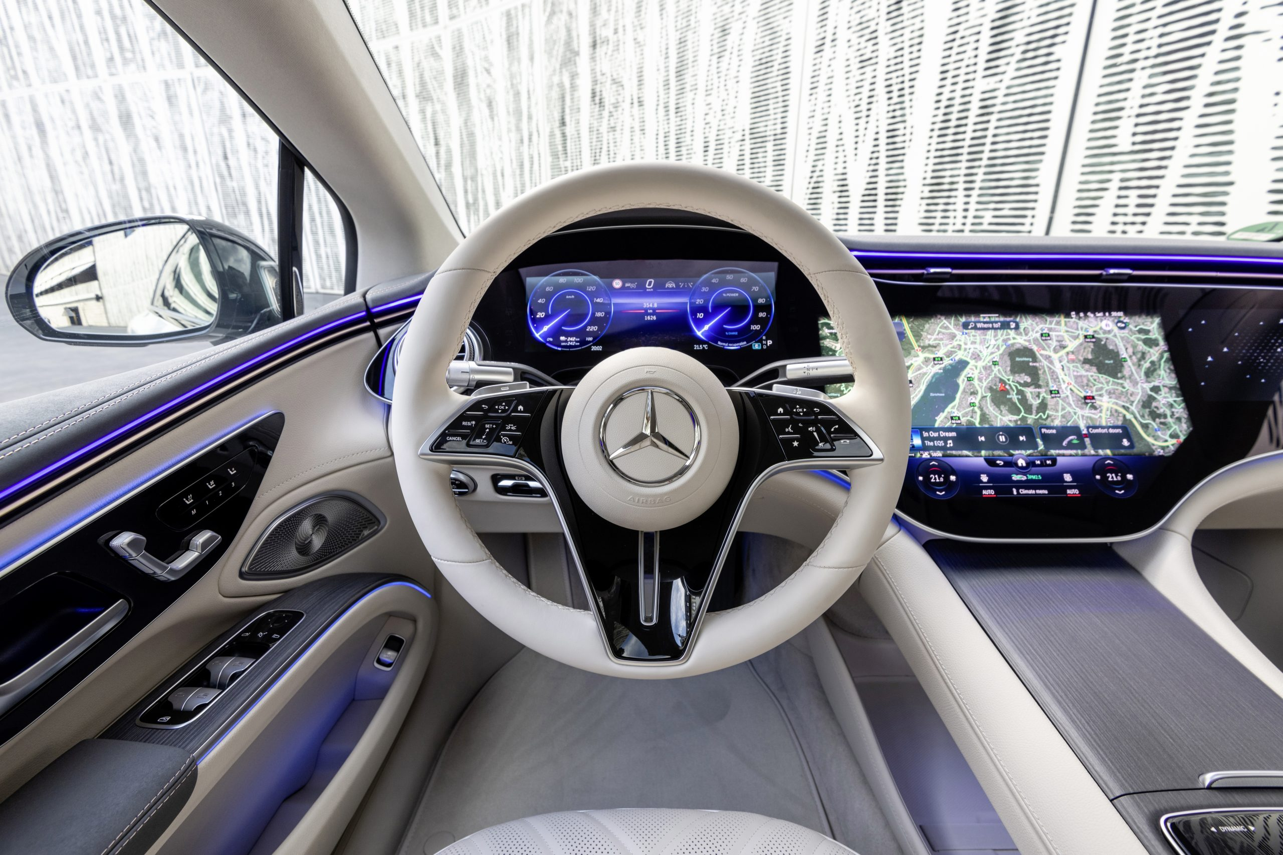 2022 EQS 580 4MATIC Sedan (Euro spec) interior steering wheel
