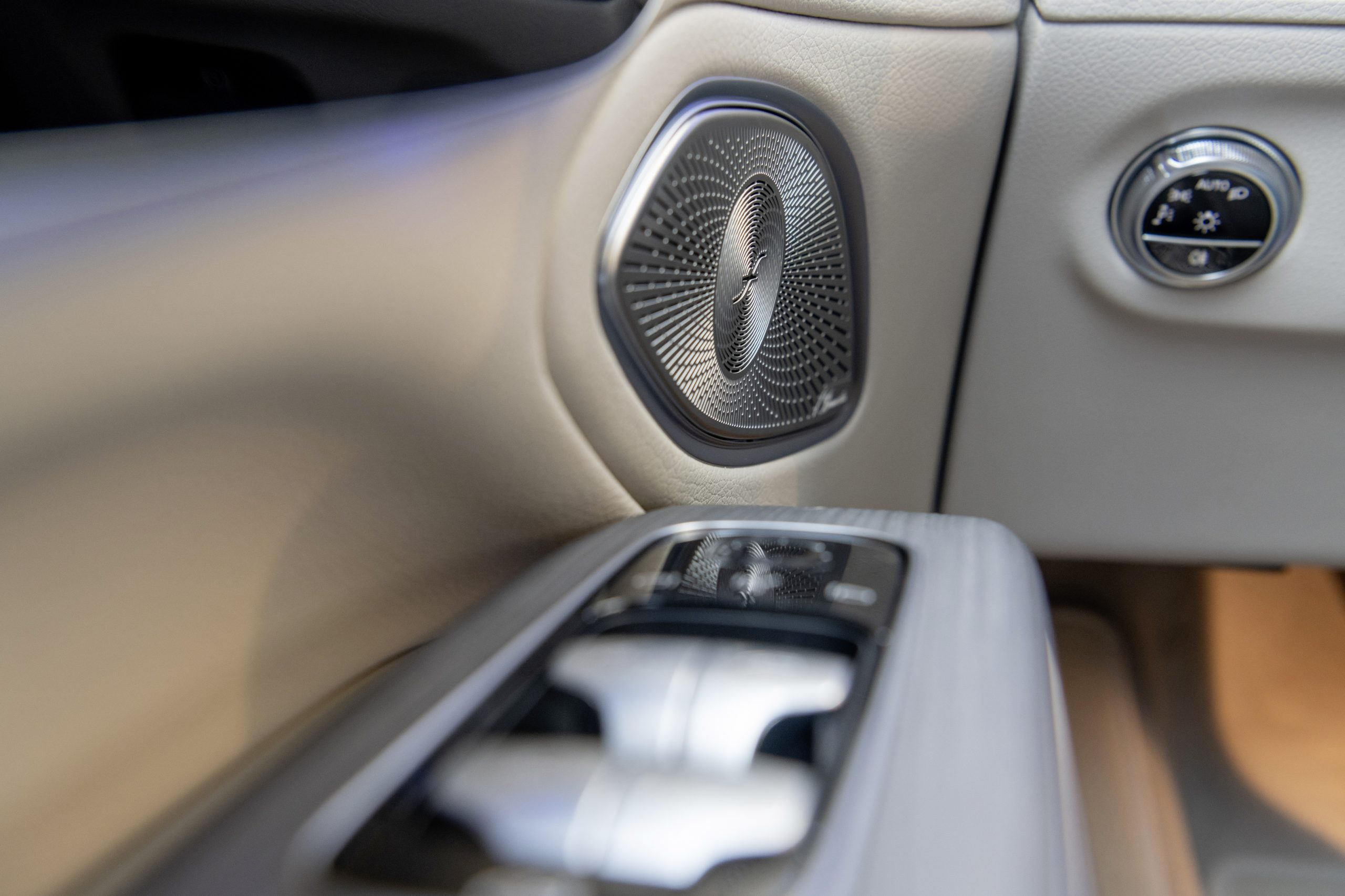 2022 EQS 580 4MATIC Sedan (Euro spec) interior sound system stereo