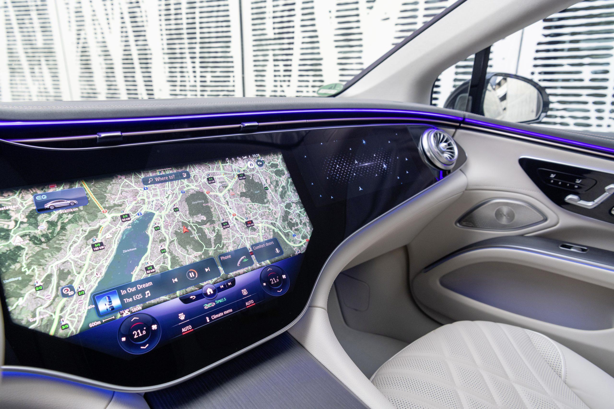 2022 EQS 580 4MATIC Sedan (Euro spec) interior Hyperscreen