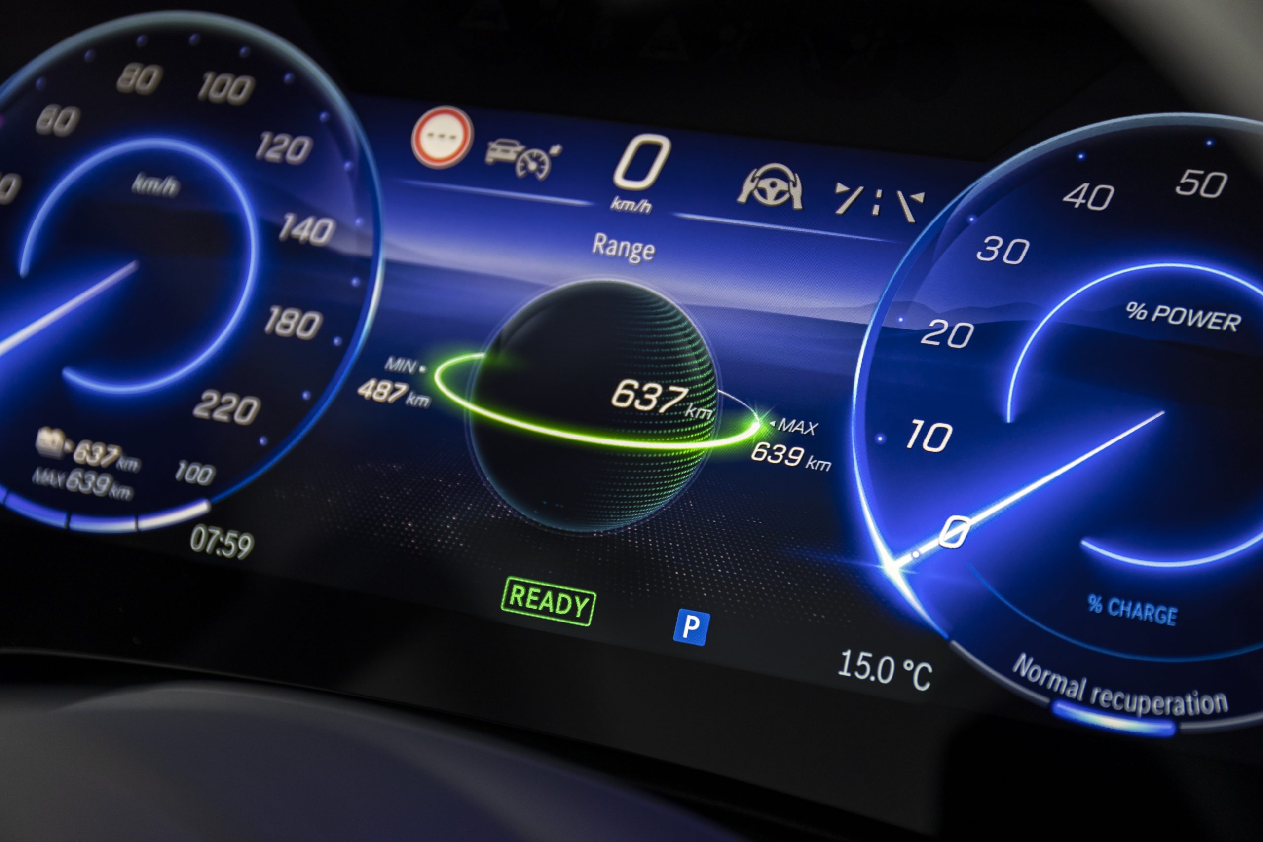 2022 EQS 580 4MATIC Sedan (Euro spec) interior dash