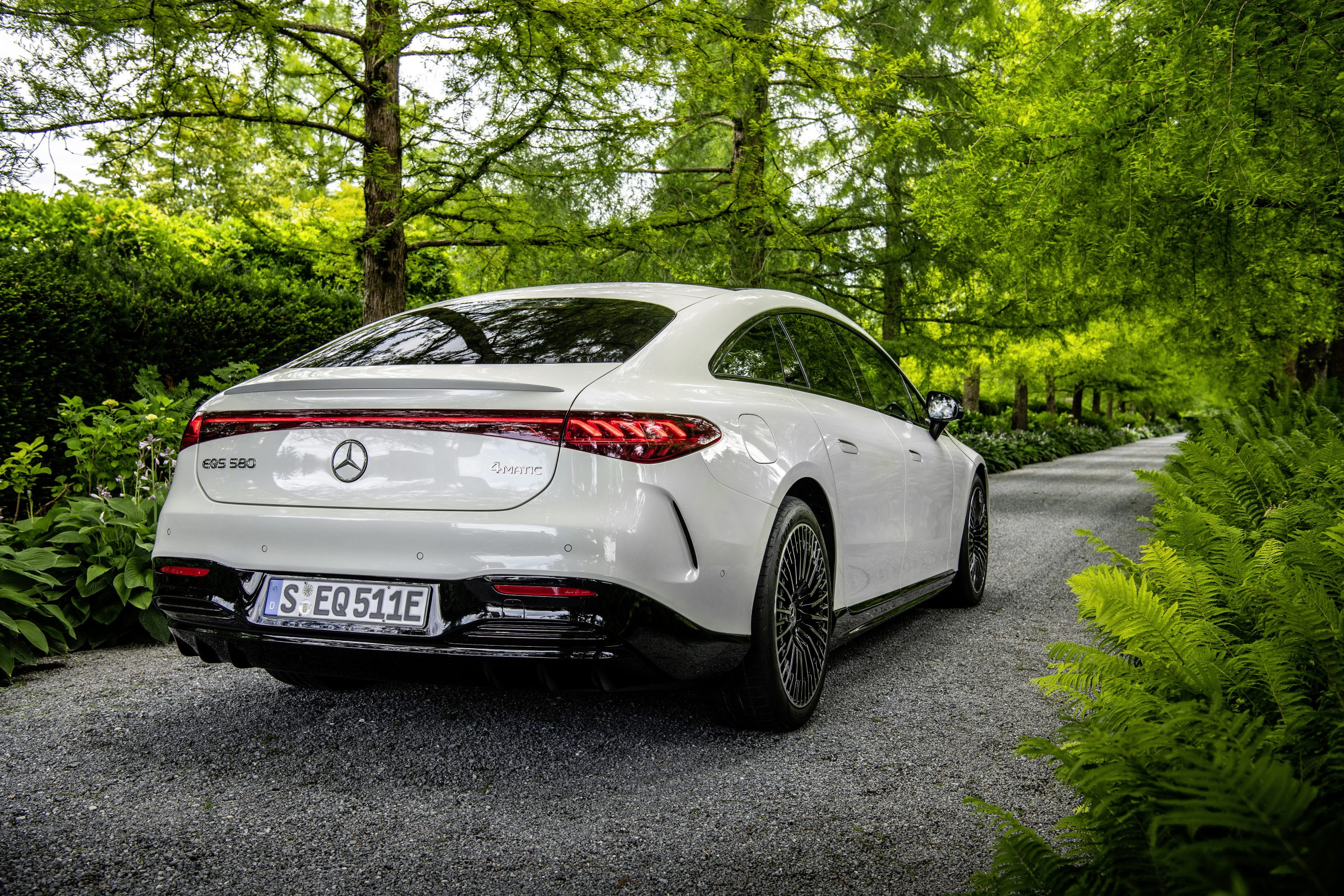 2022 EQS 580 4MATIC Sedan (Euro spec) rear