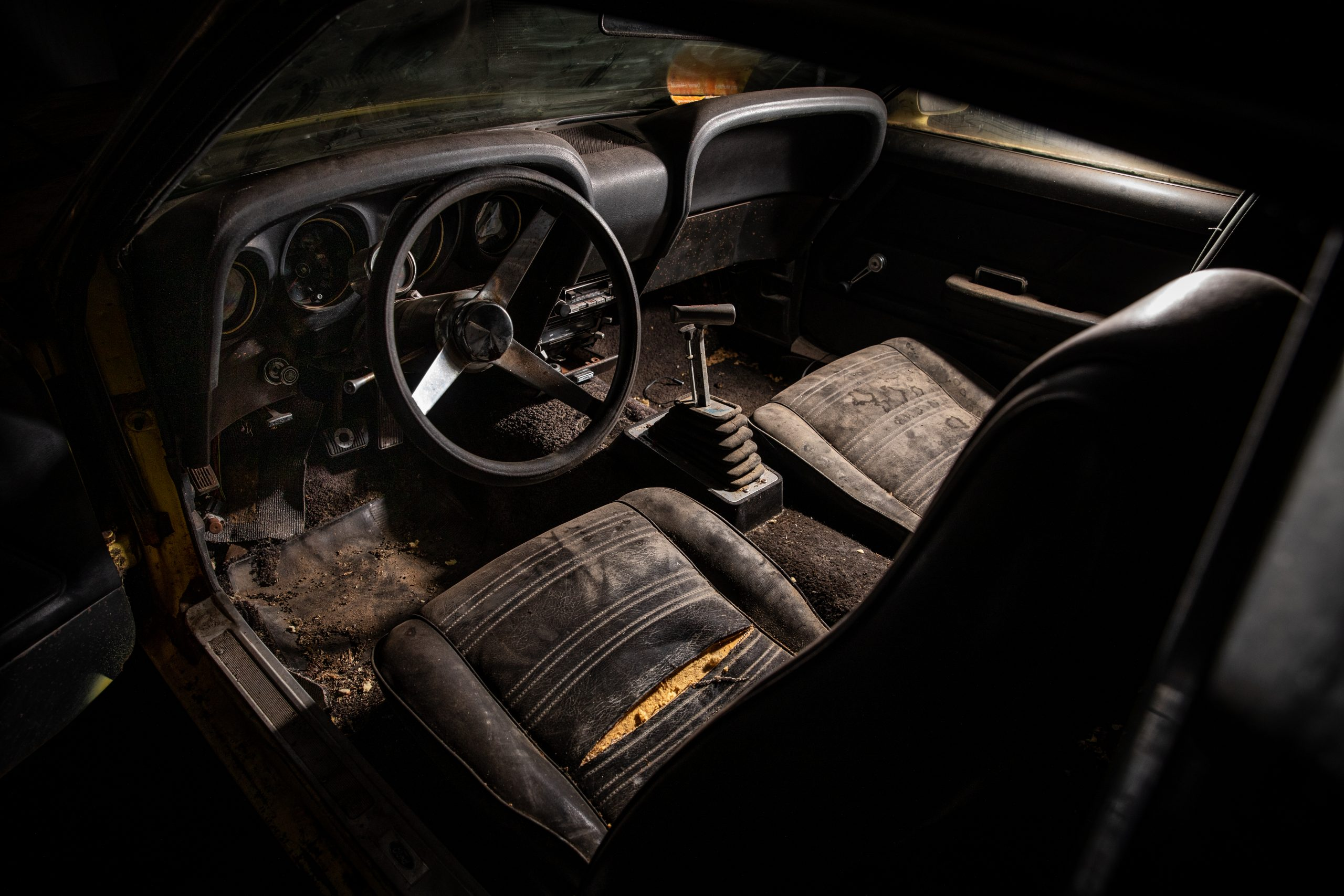 Boss Mustang connection interior