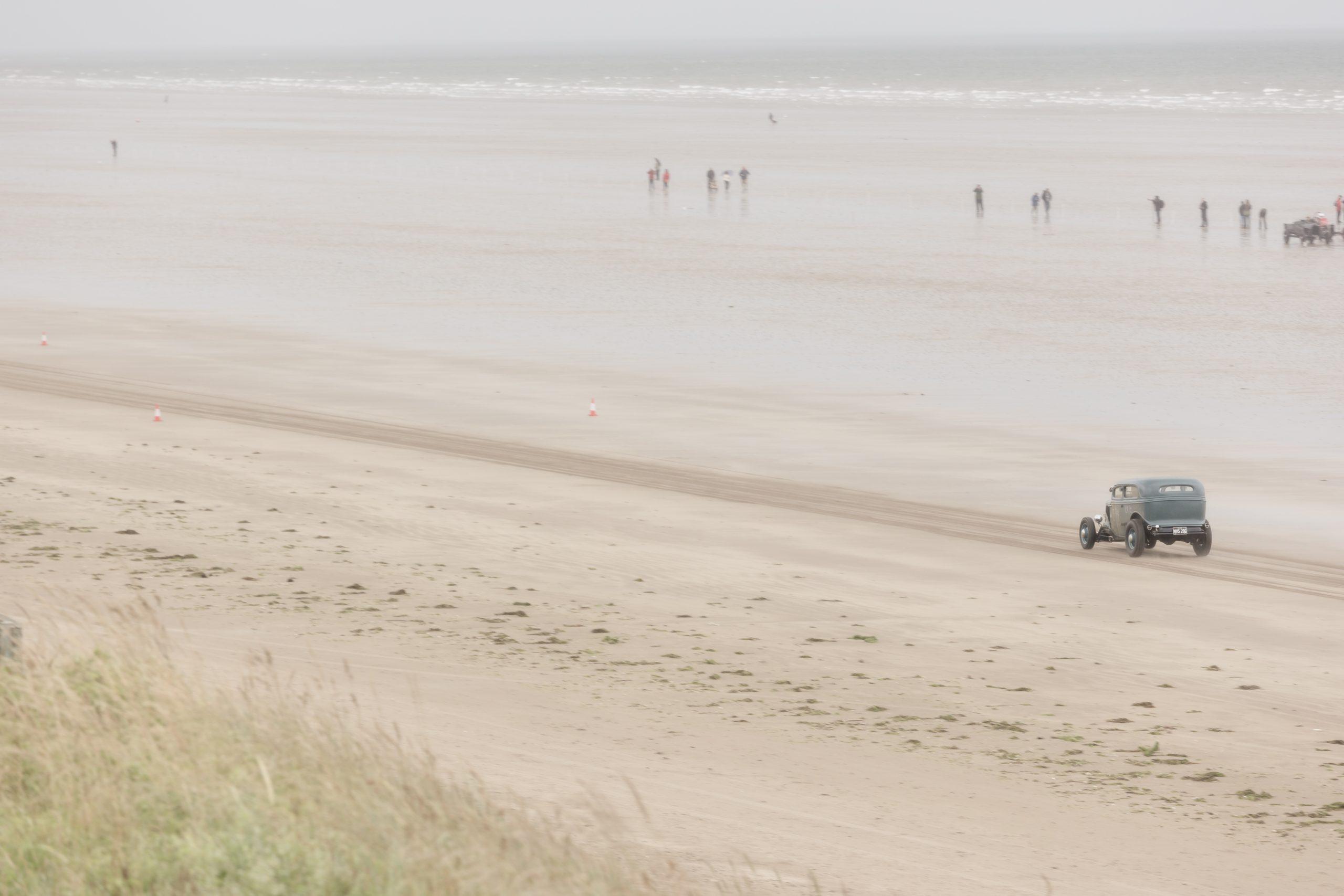Pendine Sands hot rod racing action