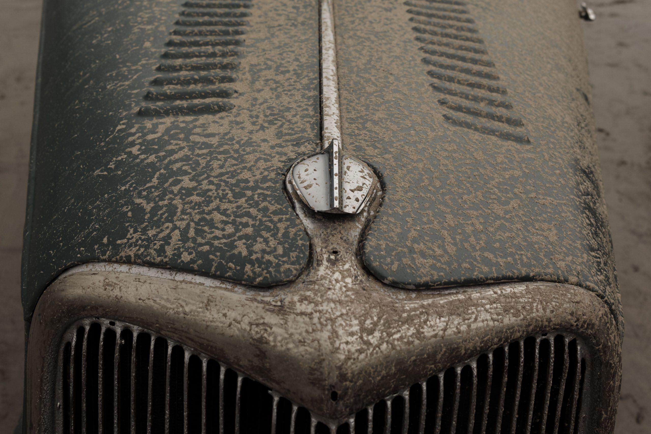 Pendine Sands dirty hood detail
