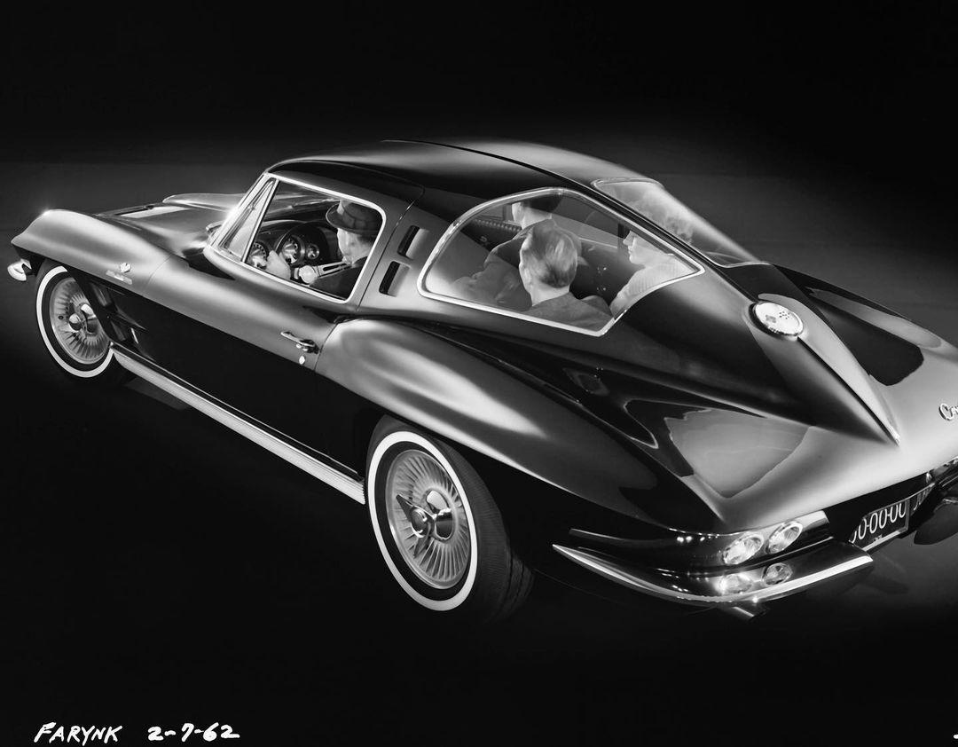 4-Seater 1963 Split Window Coupe Prototype rear three-quarter passengers