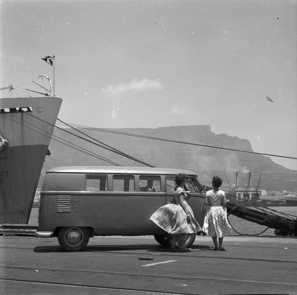 Home is a Journey - Dec 20 - Joan and Audrey with Table Mountain Cape Town 1