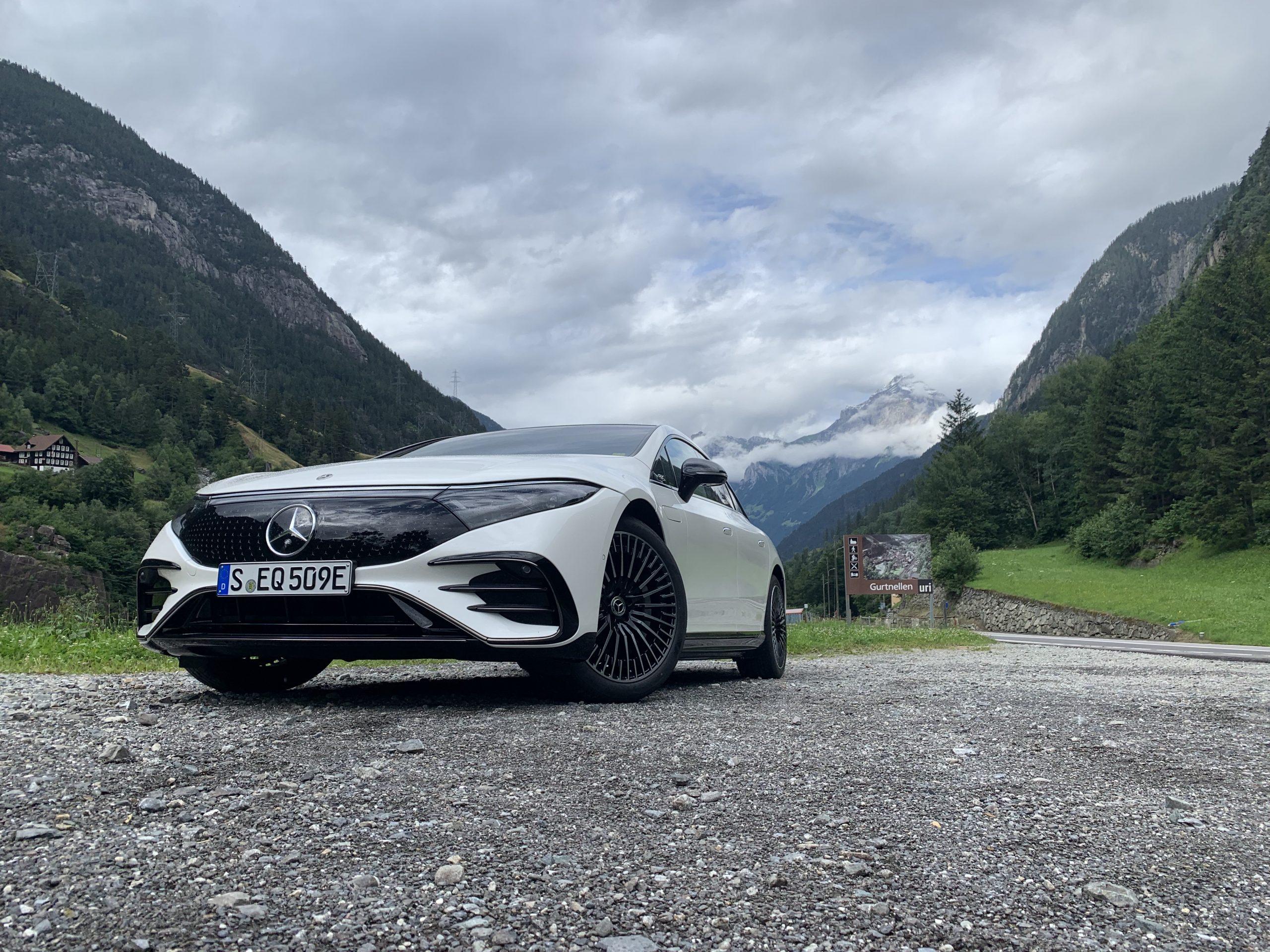 2022 EQS 580 4MATIC Sedan (Euro spec) front Switzerland