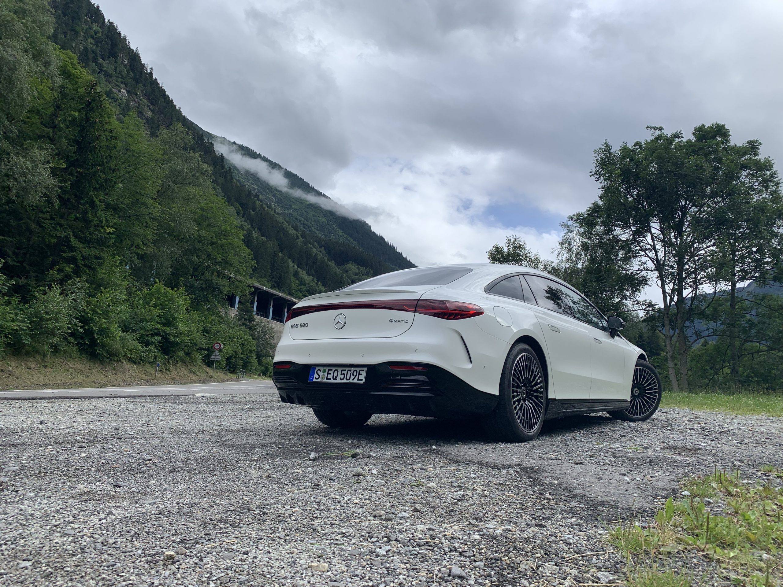 2022 EQS 580 4MATIC Sedan (Euro spec) rear Switzerland