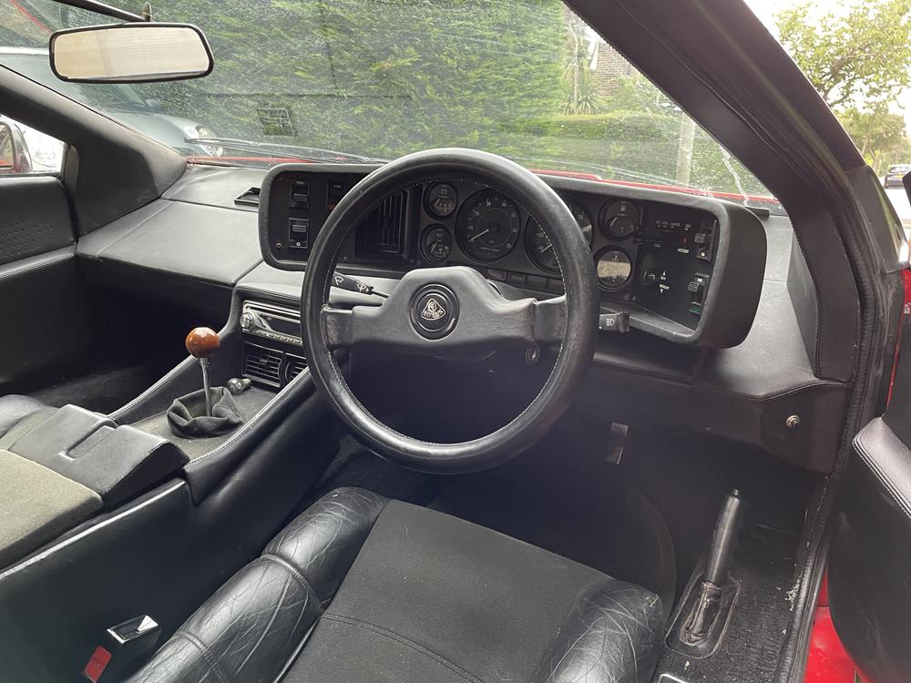 Lotus Esprit S3 interior 1