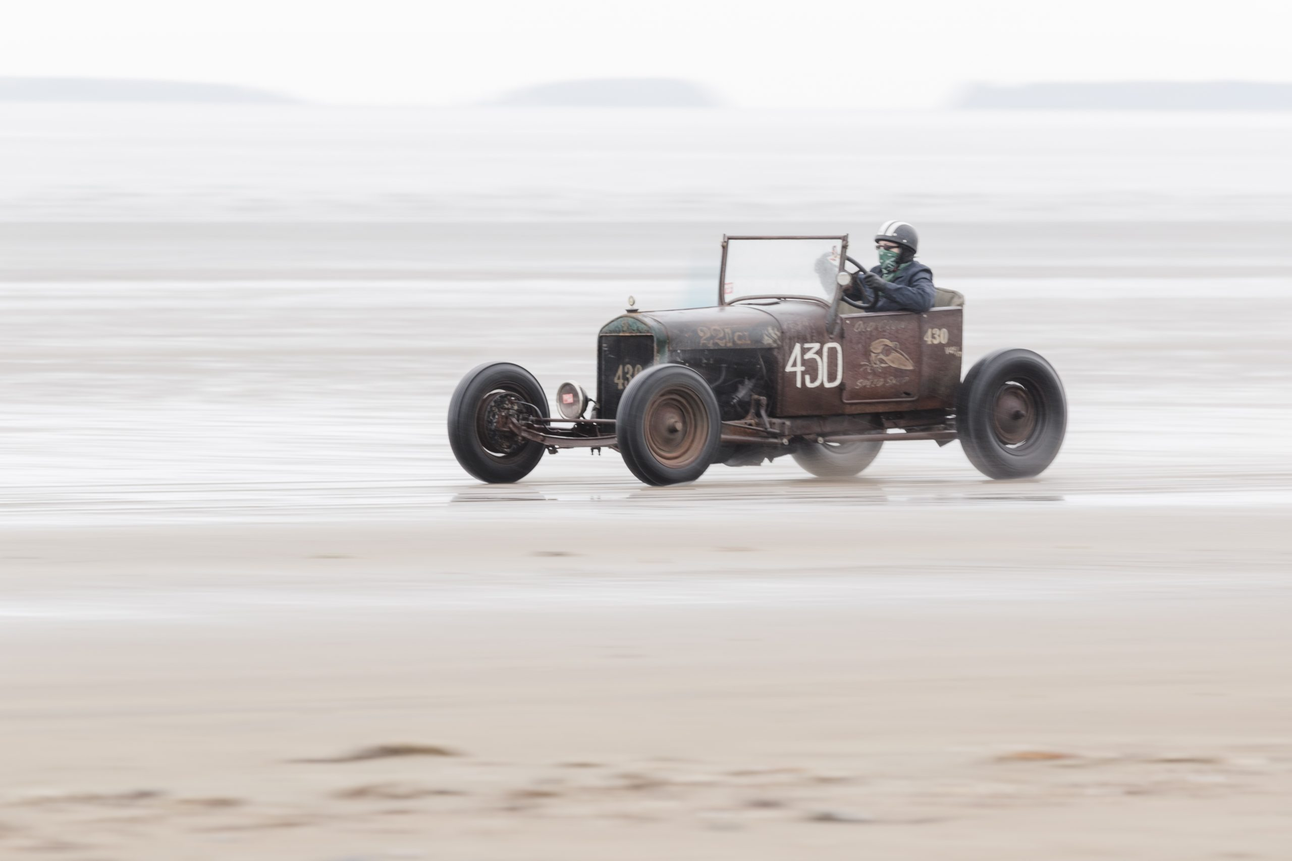 Pendine Sands hot rod racing on beach action