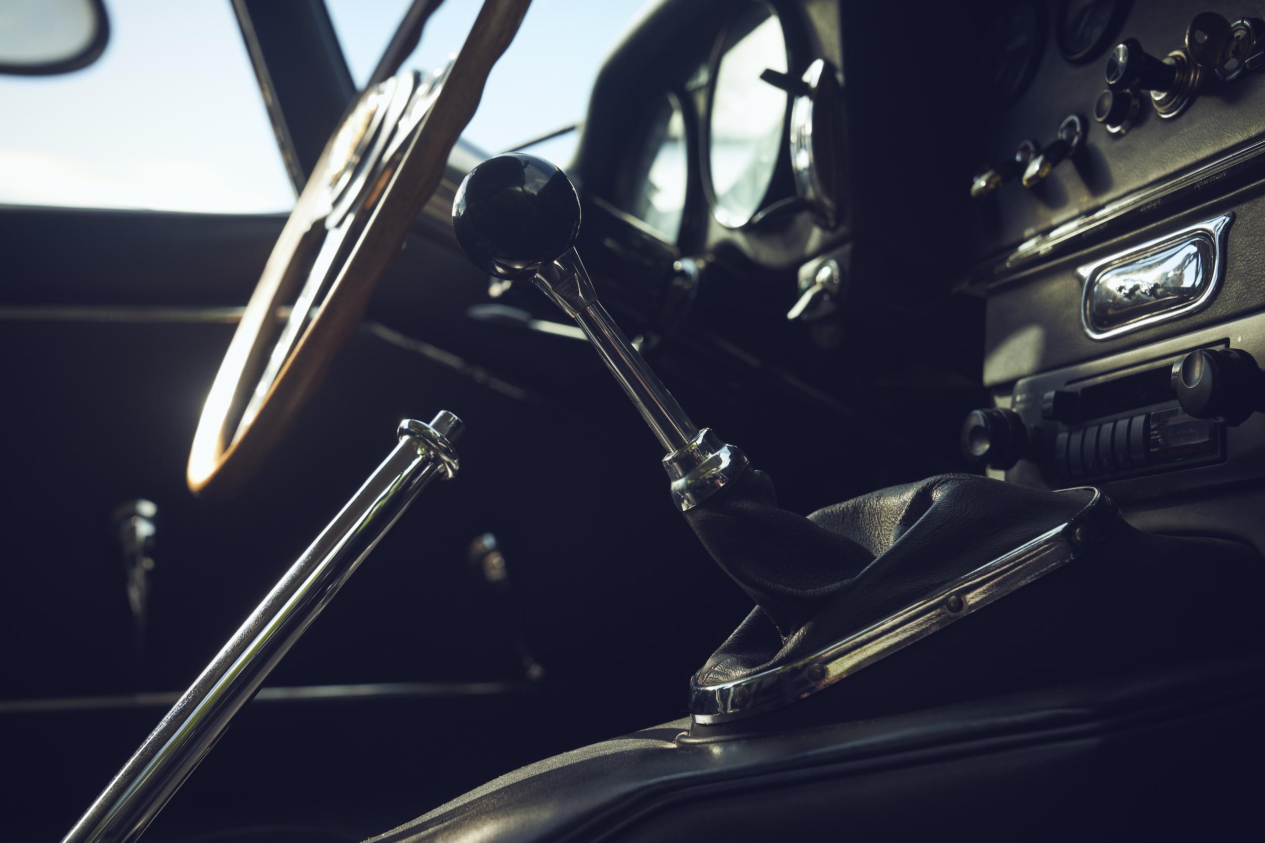 Jaguar E-Type interior shifter