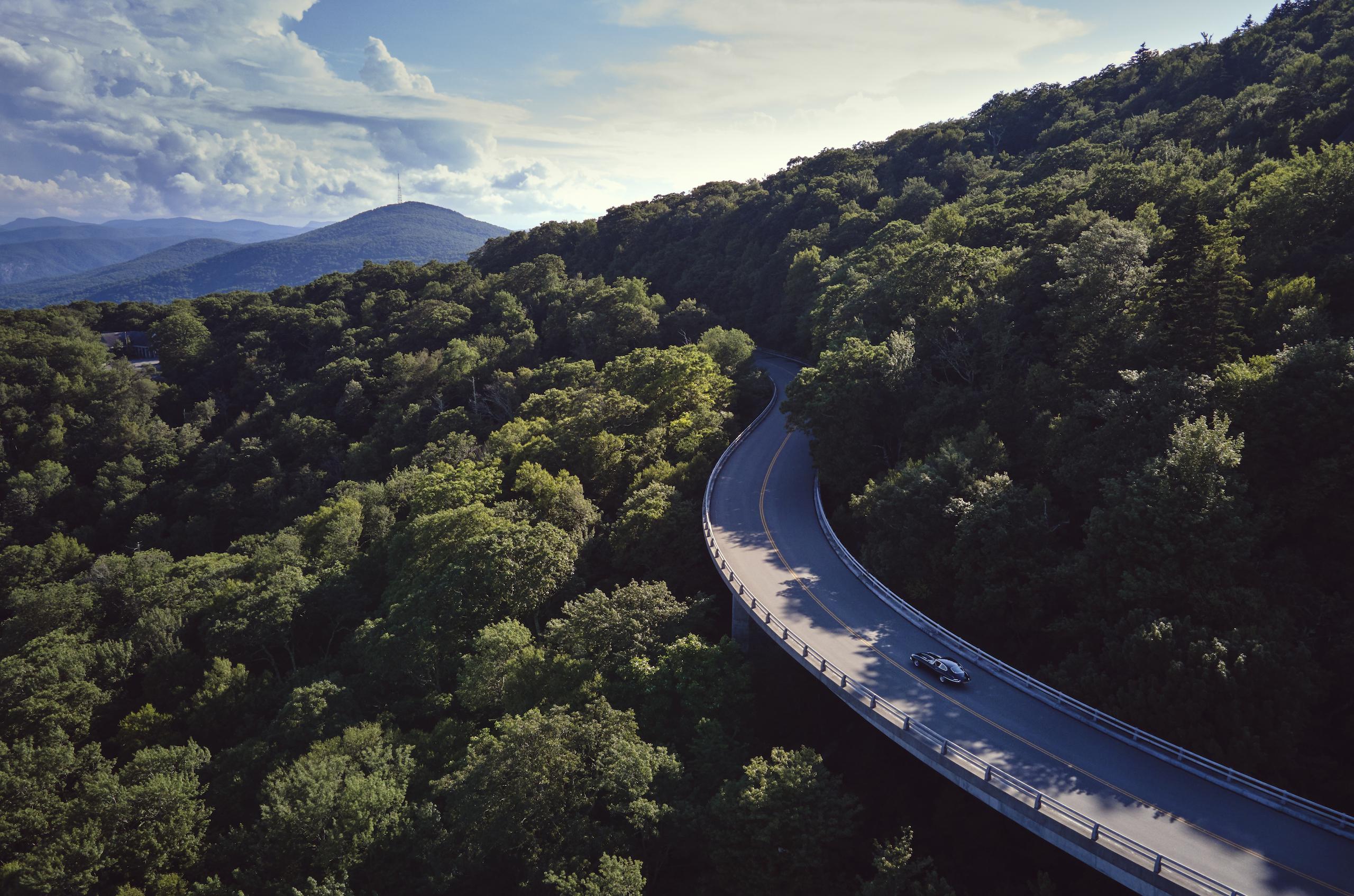 Jaguar E-Type mountain range