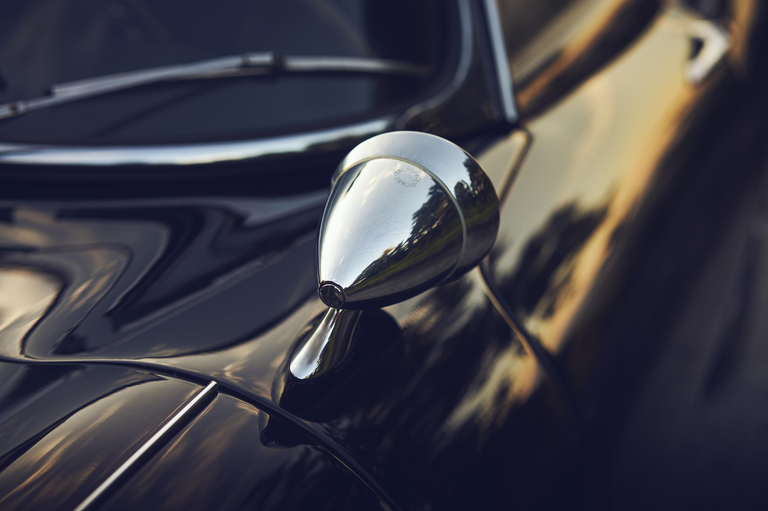 Jaguar E-Type mirror detail