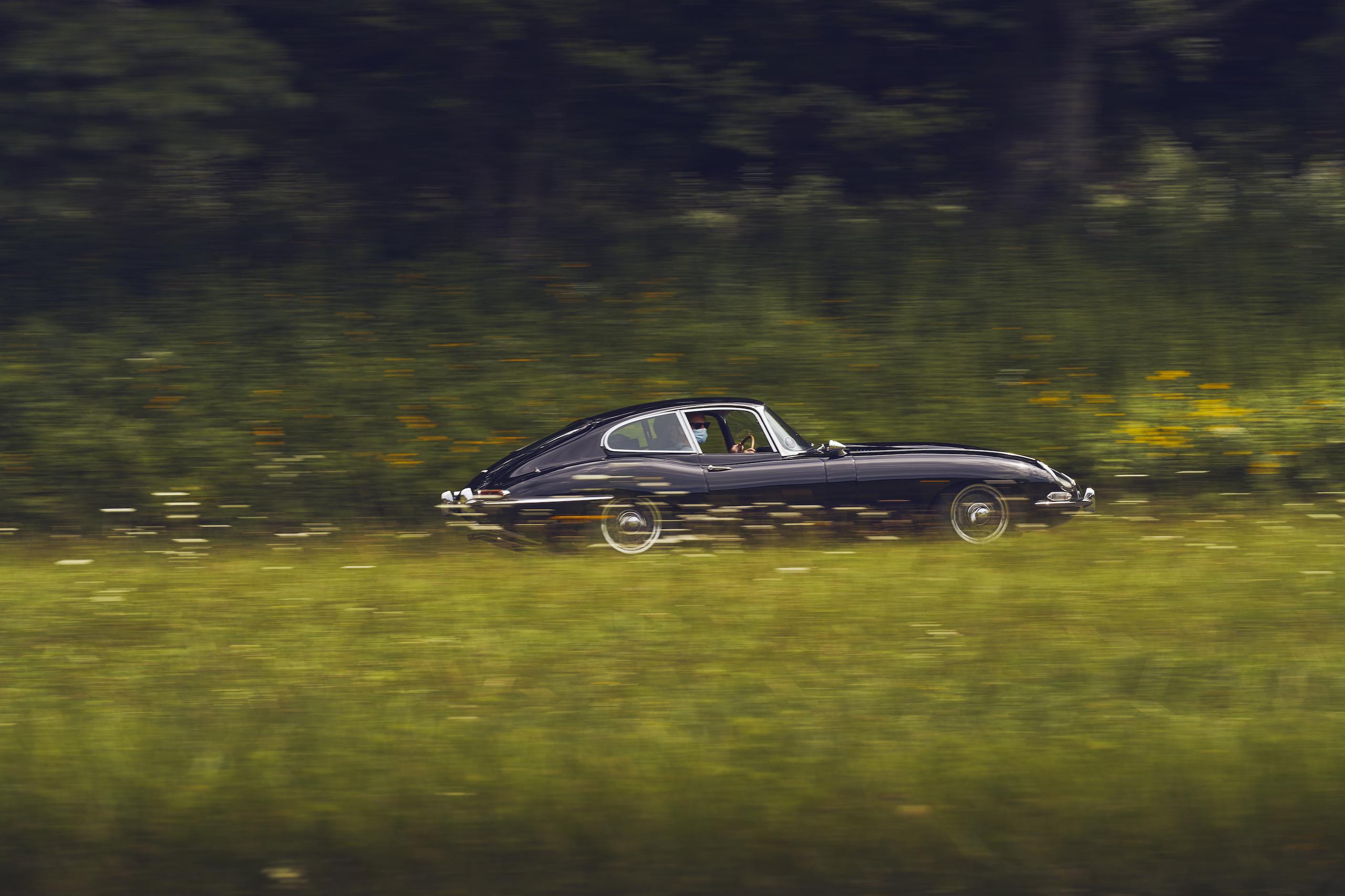 Jaguar E-Type side profile