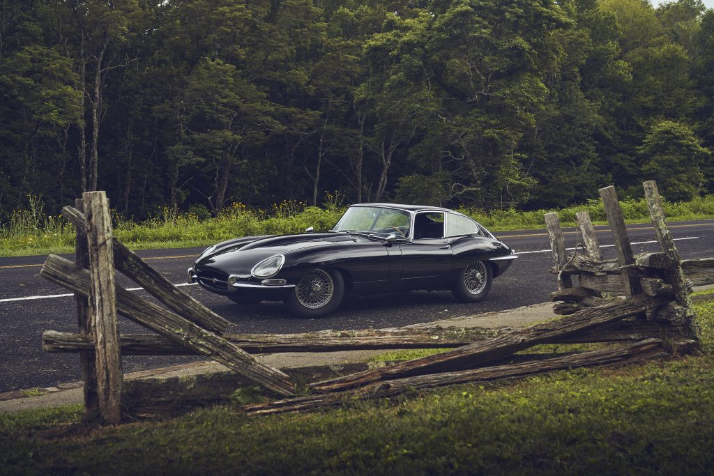 Jaguar E-Type front three-quarter fence frame