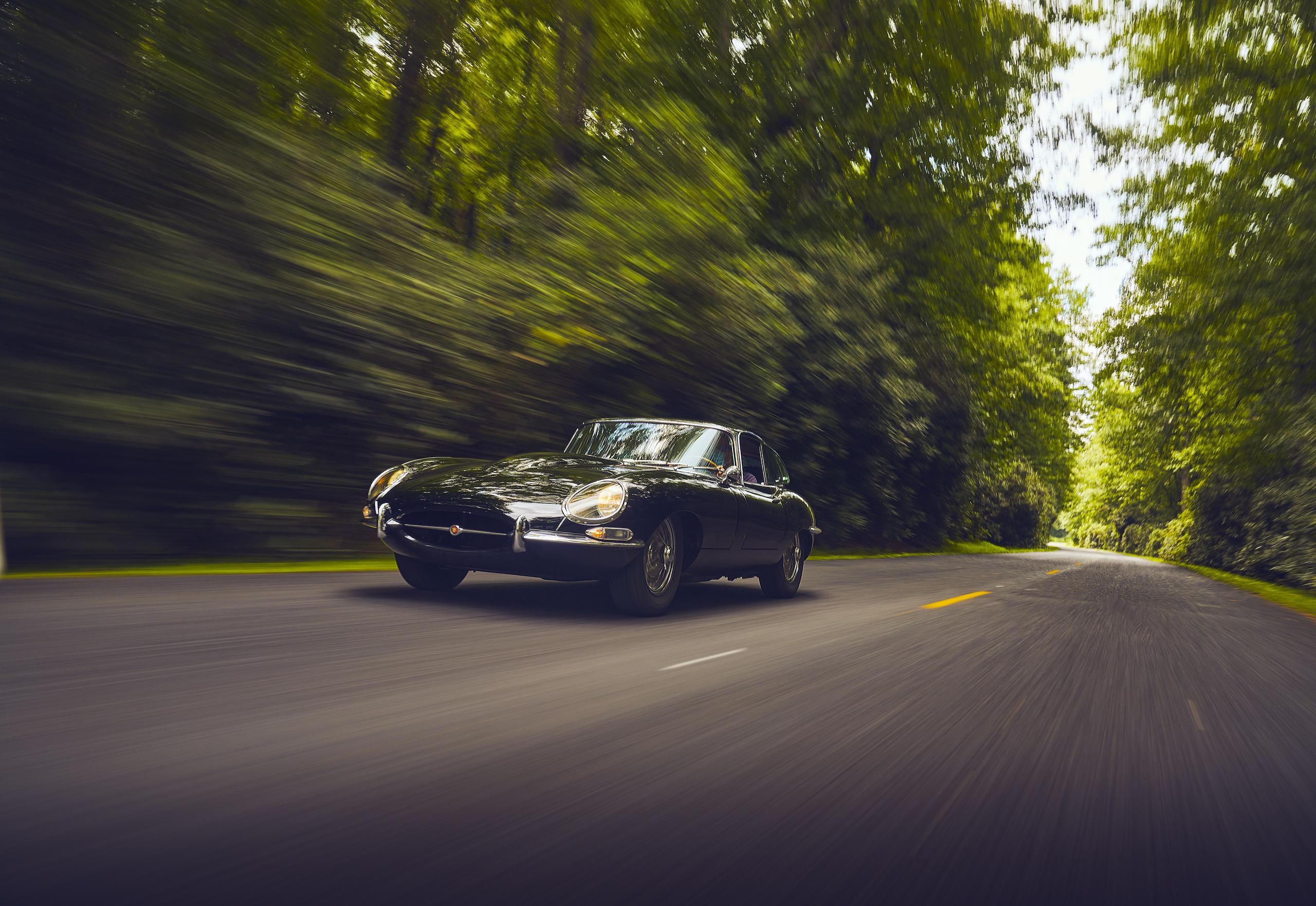 Jaguar E-Type front three-quarter action
