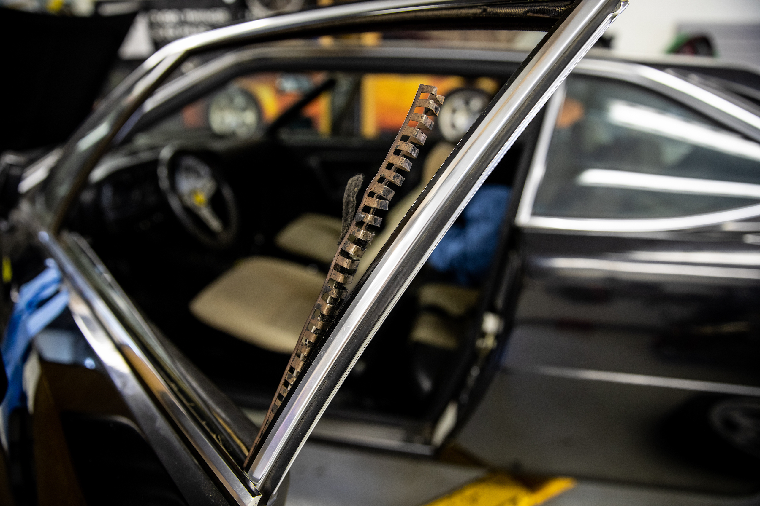 Ferrari Dino window track