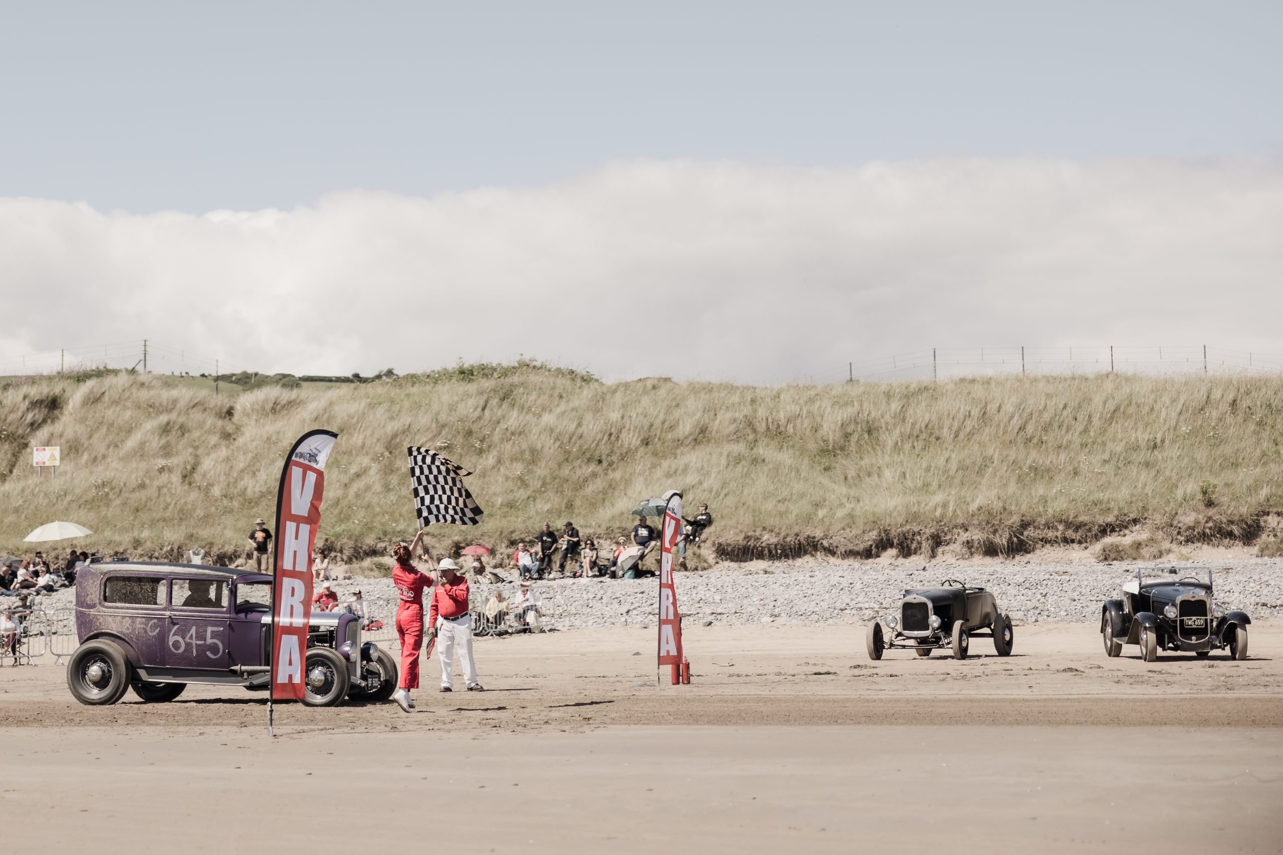 Pendine Sands checkered flag drop wide