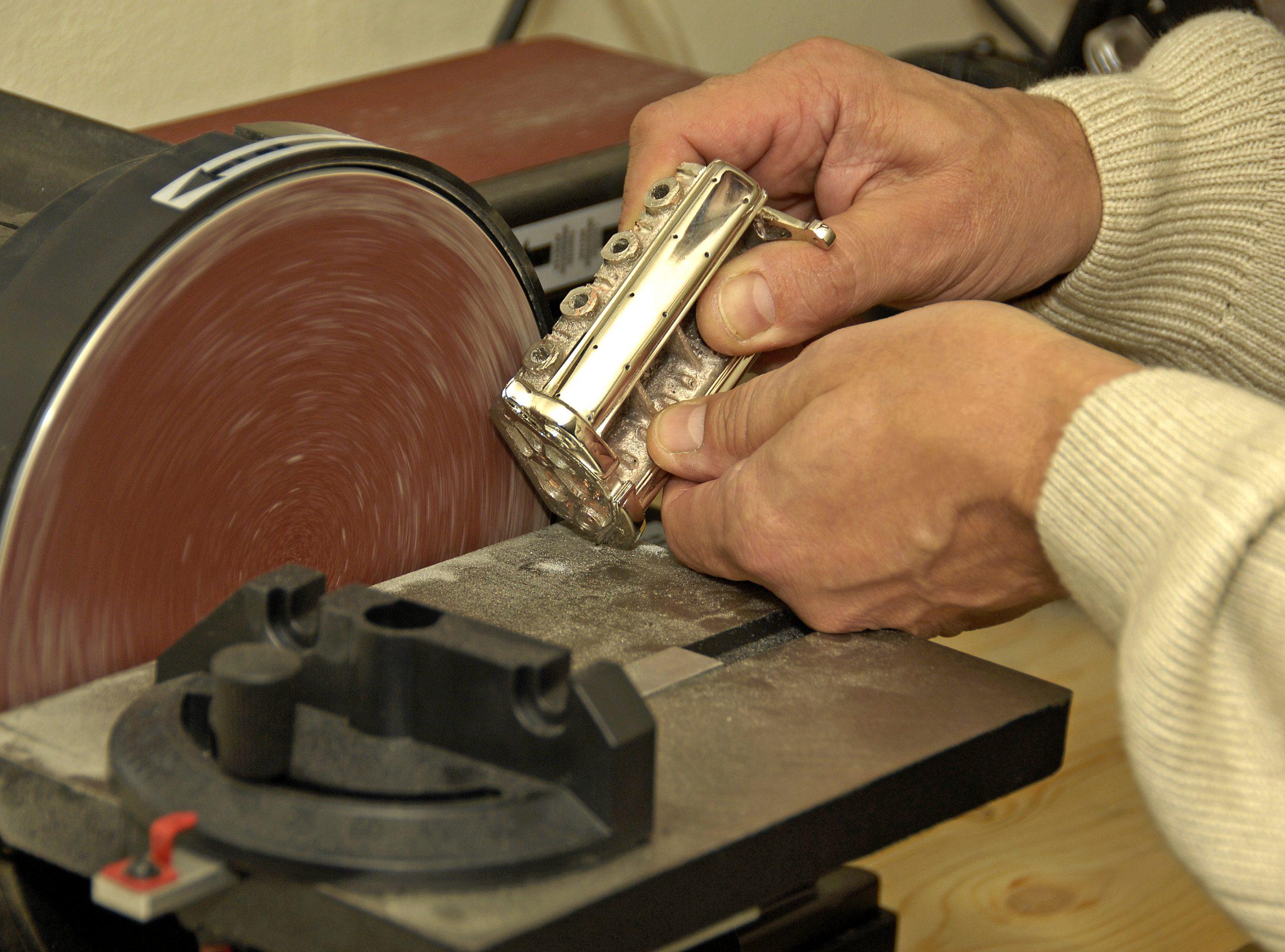 jorge sordelli belt sanding engine block