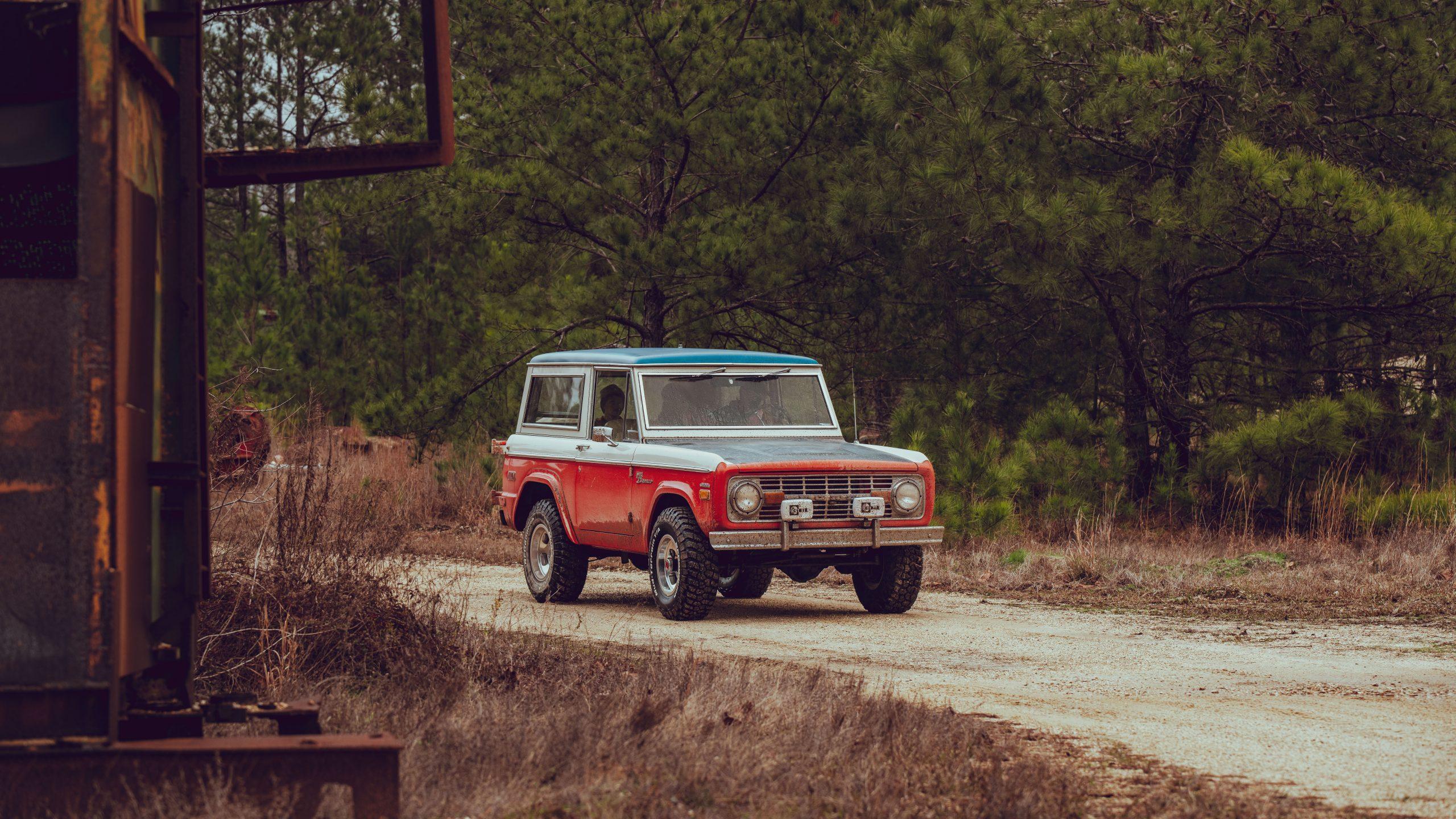 Eric Oberlander's 1971 Ford Bronco