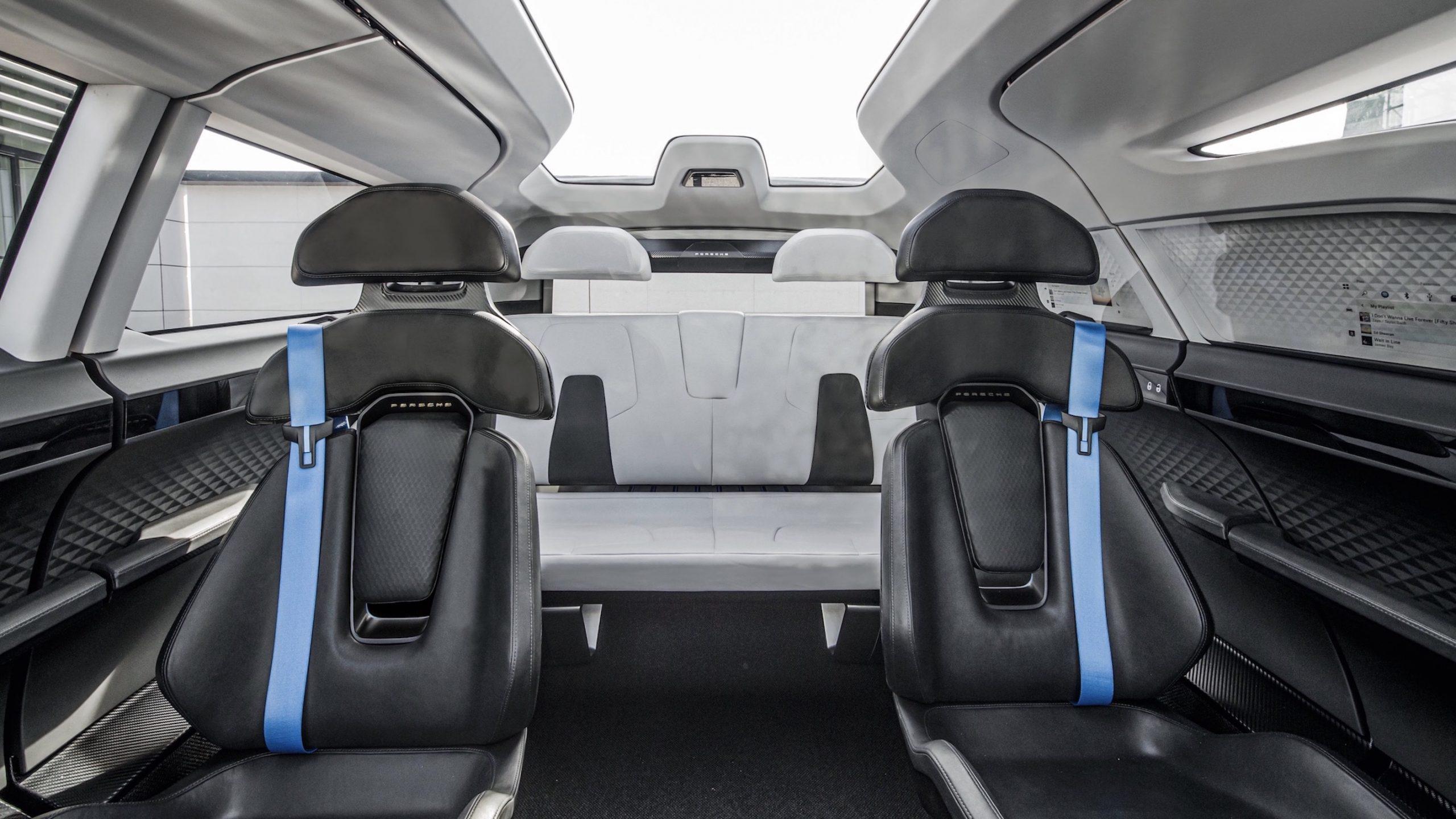 Porsche Renndienst interior