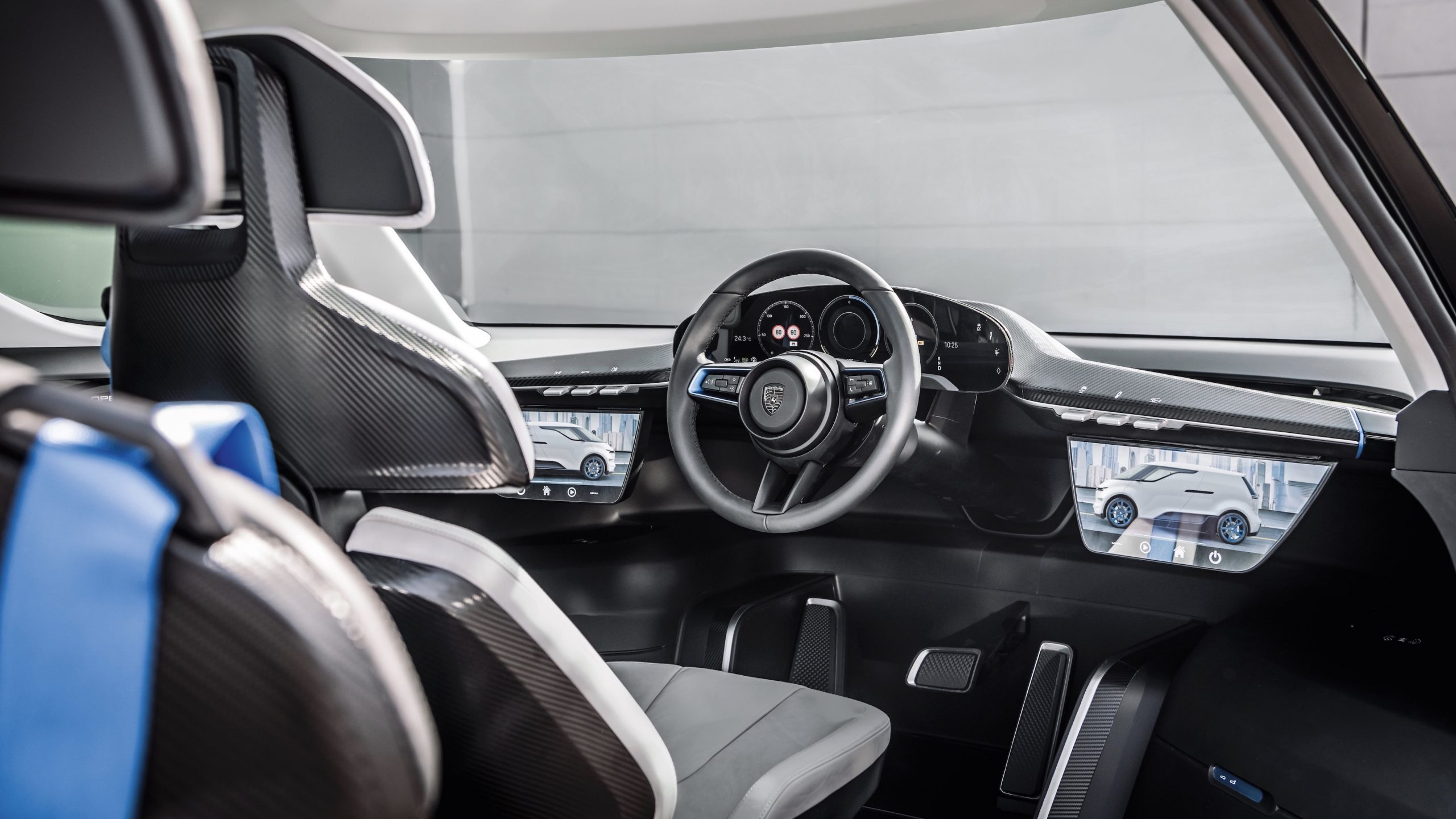 Porsche Renndienst interior 2