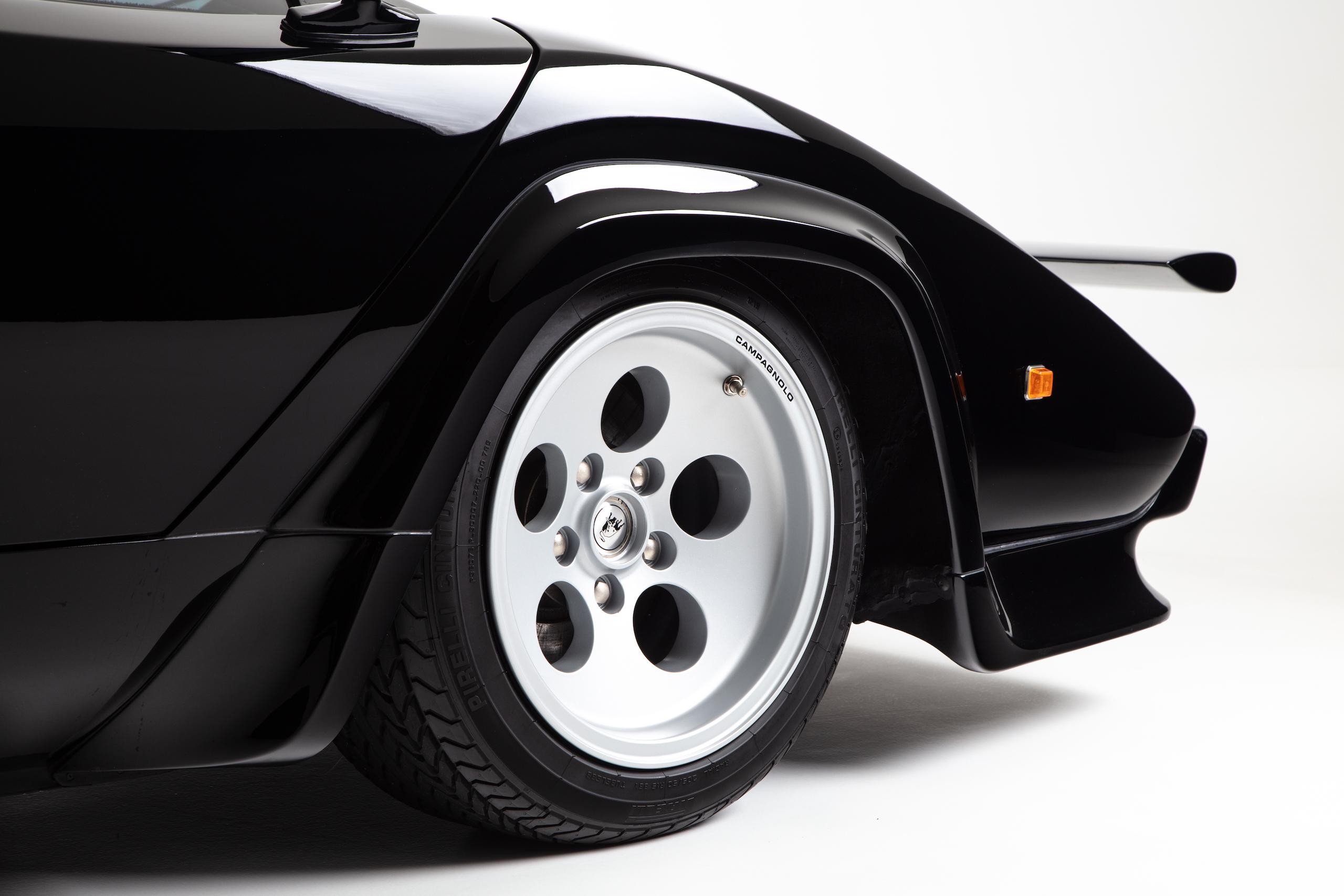 Countach Front Wheel
