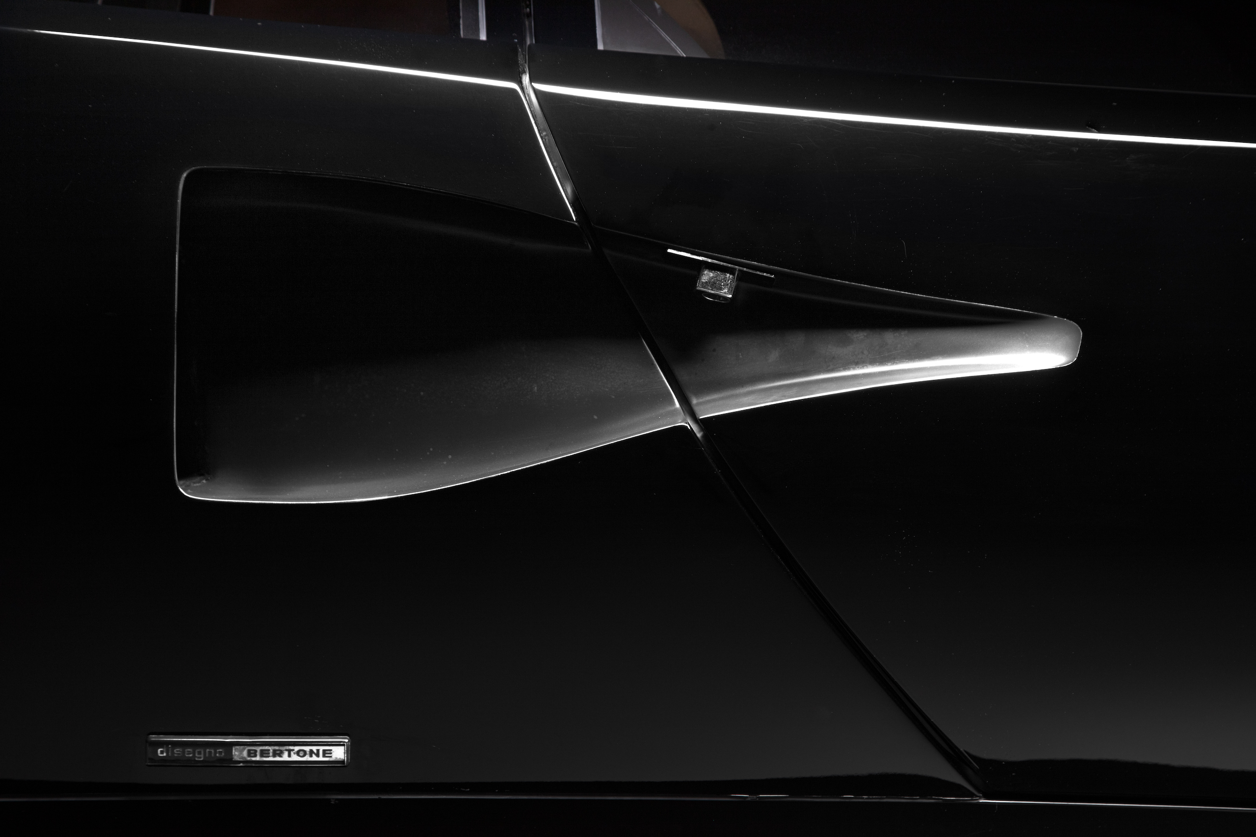 Countach Duct