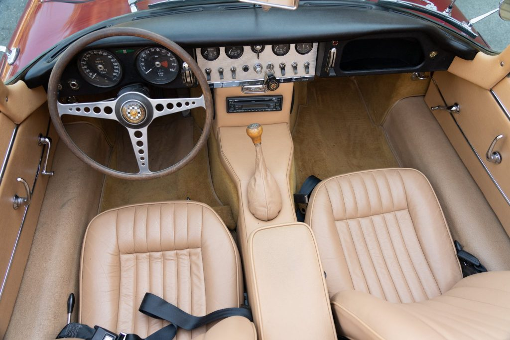1963 Jaguar XKE pontiac swap interior
