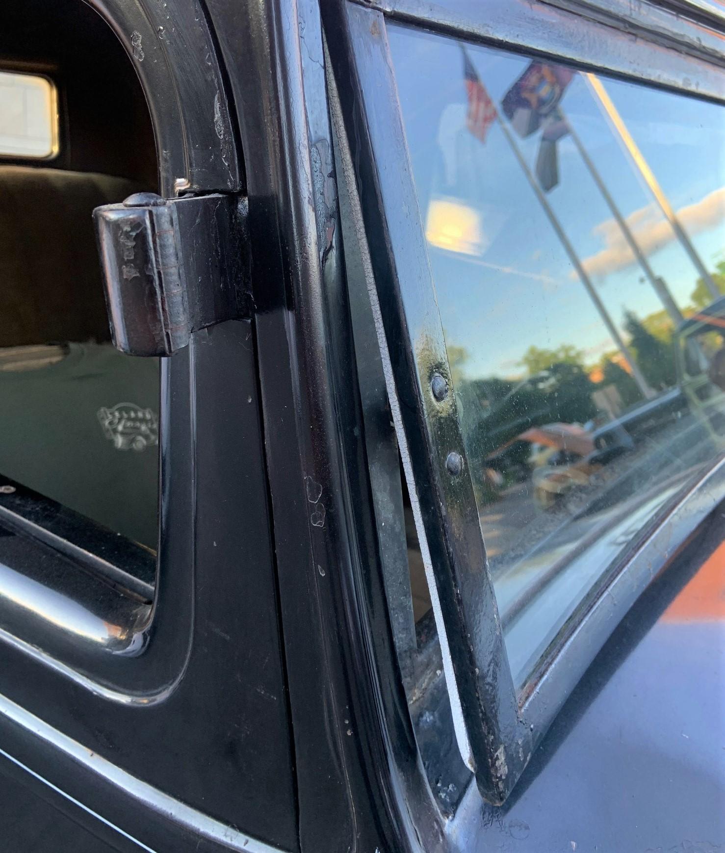 1932 Rockne - windscreen