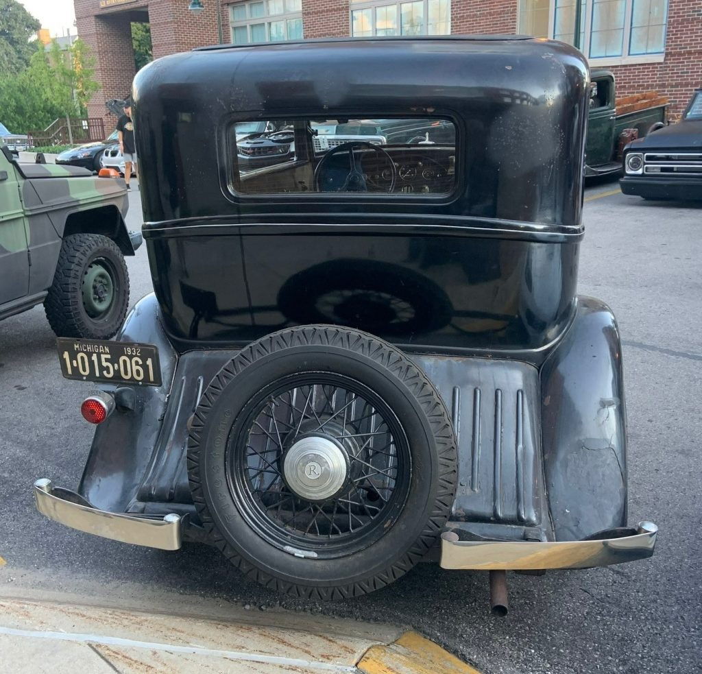 1932 Rockne - full rear