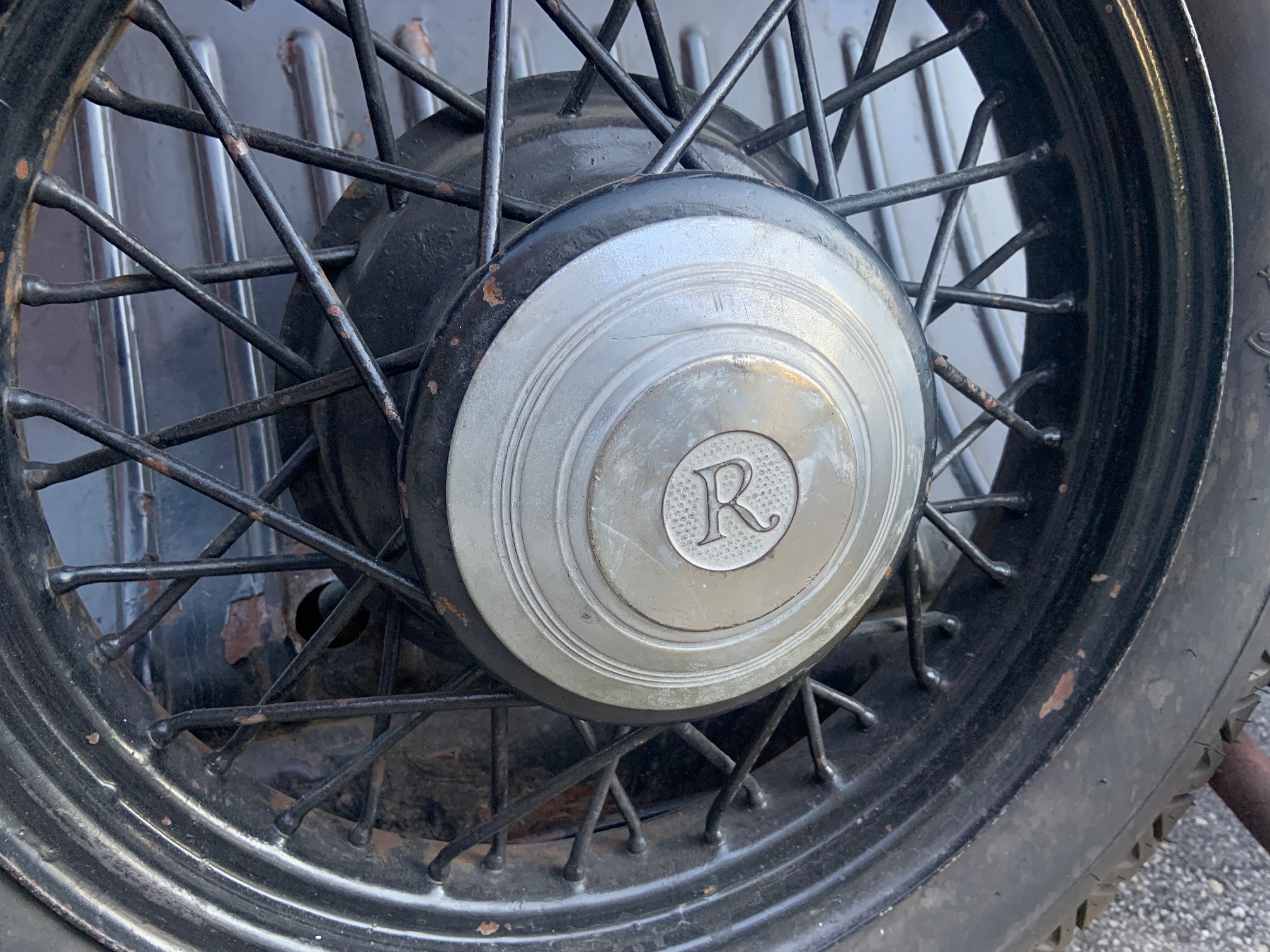 1932 Rockne - close-up wheel