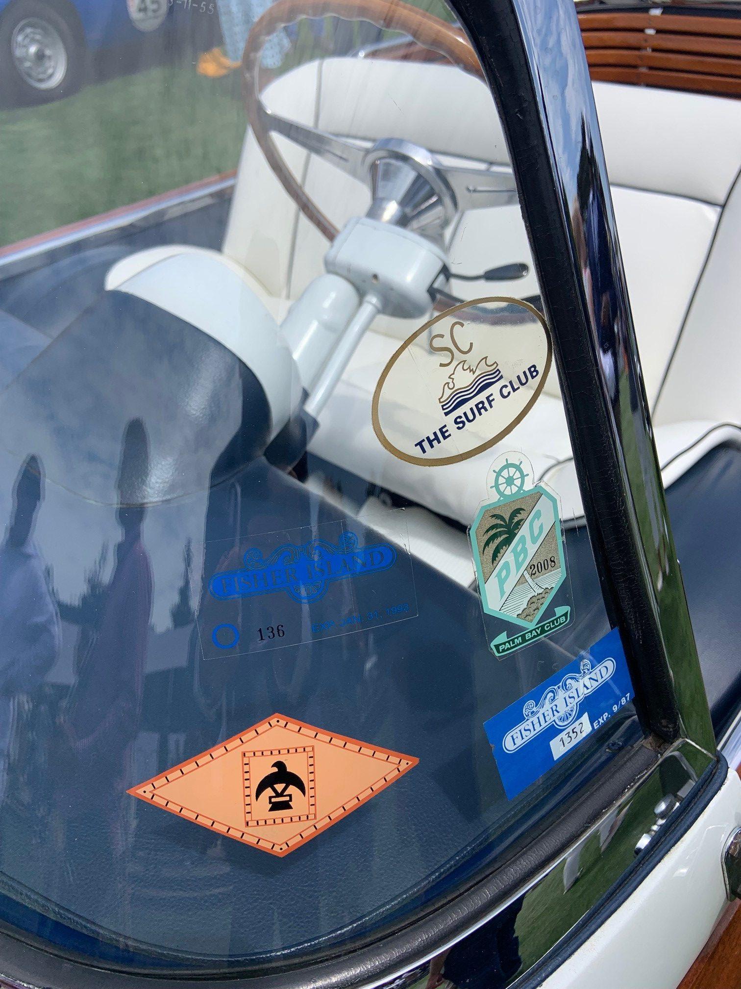 1957 Fiat 600 Eden Roc - Closeup windshield stickers