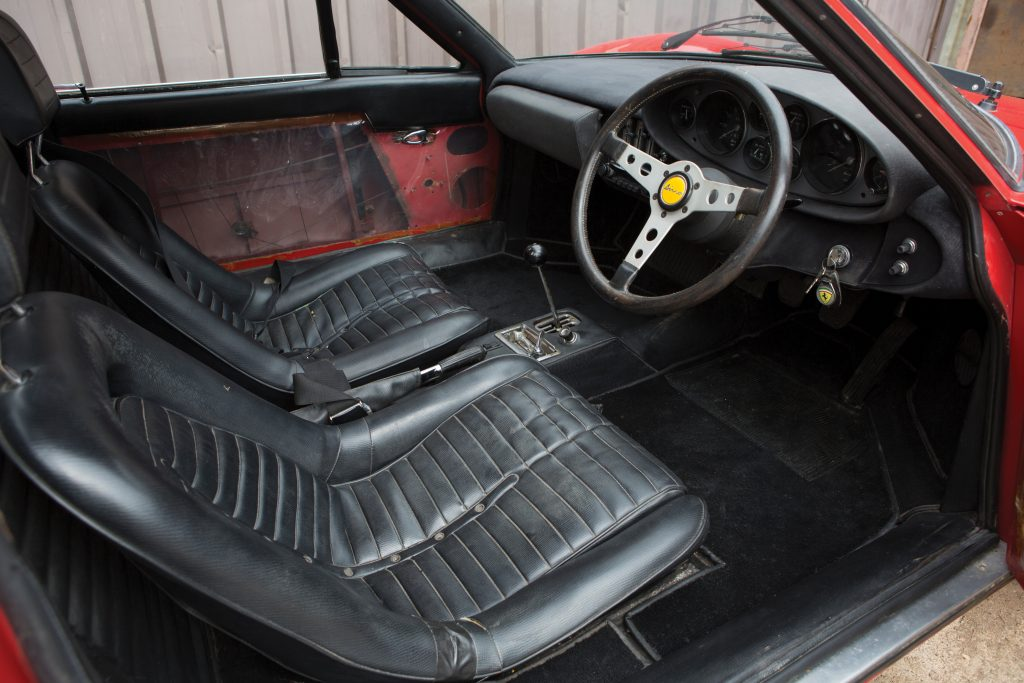 1970-Ferrari-Dino-246-GT interior