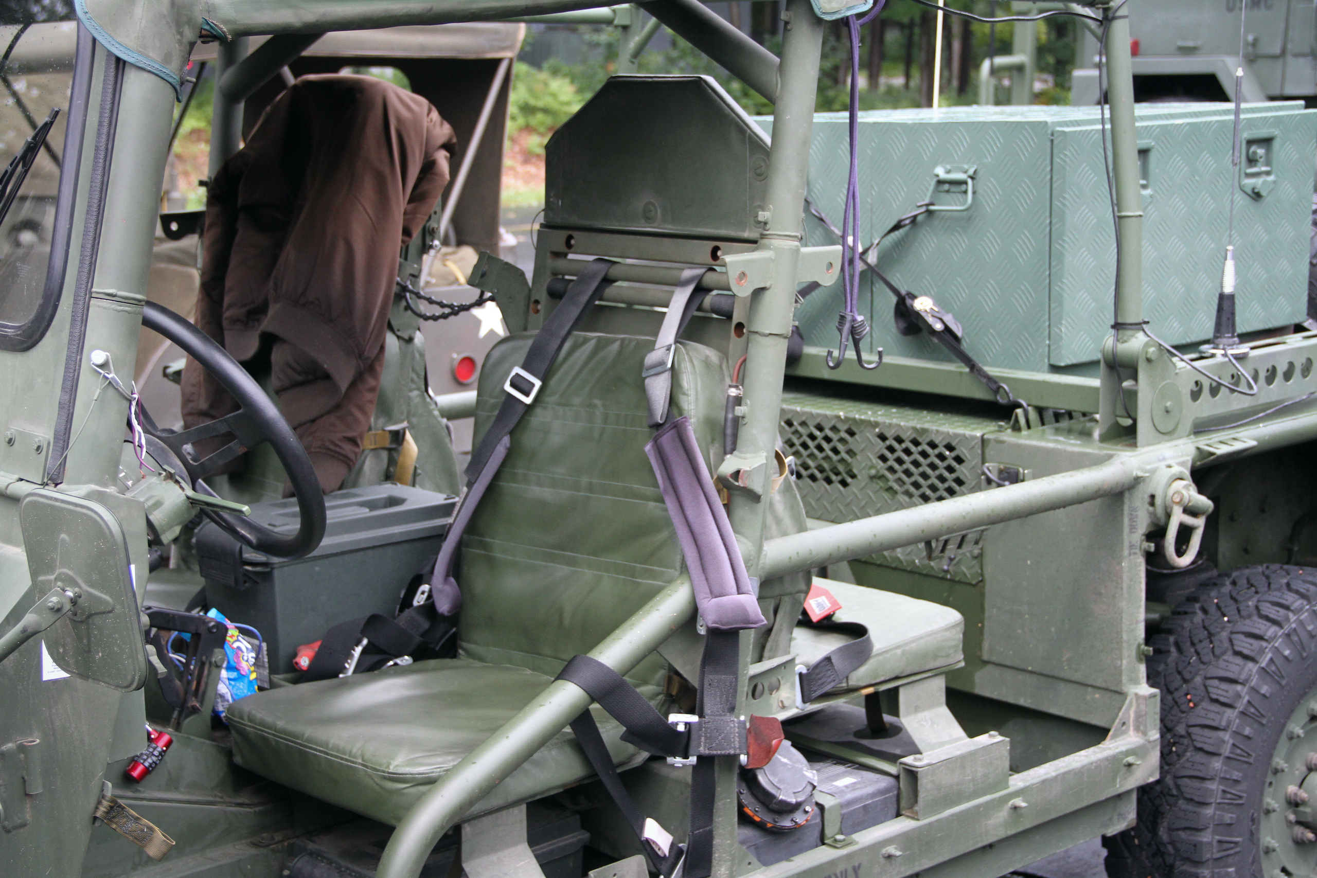 Military vehicle convoy interior seat
