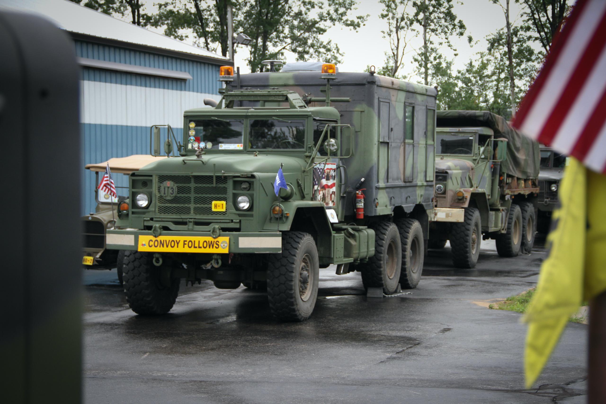 Military vehicle convoy flag