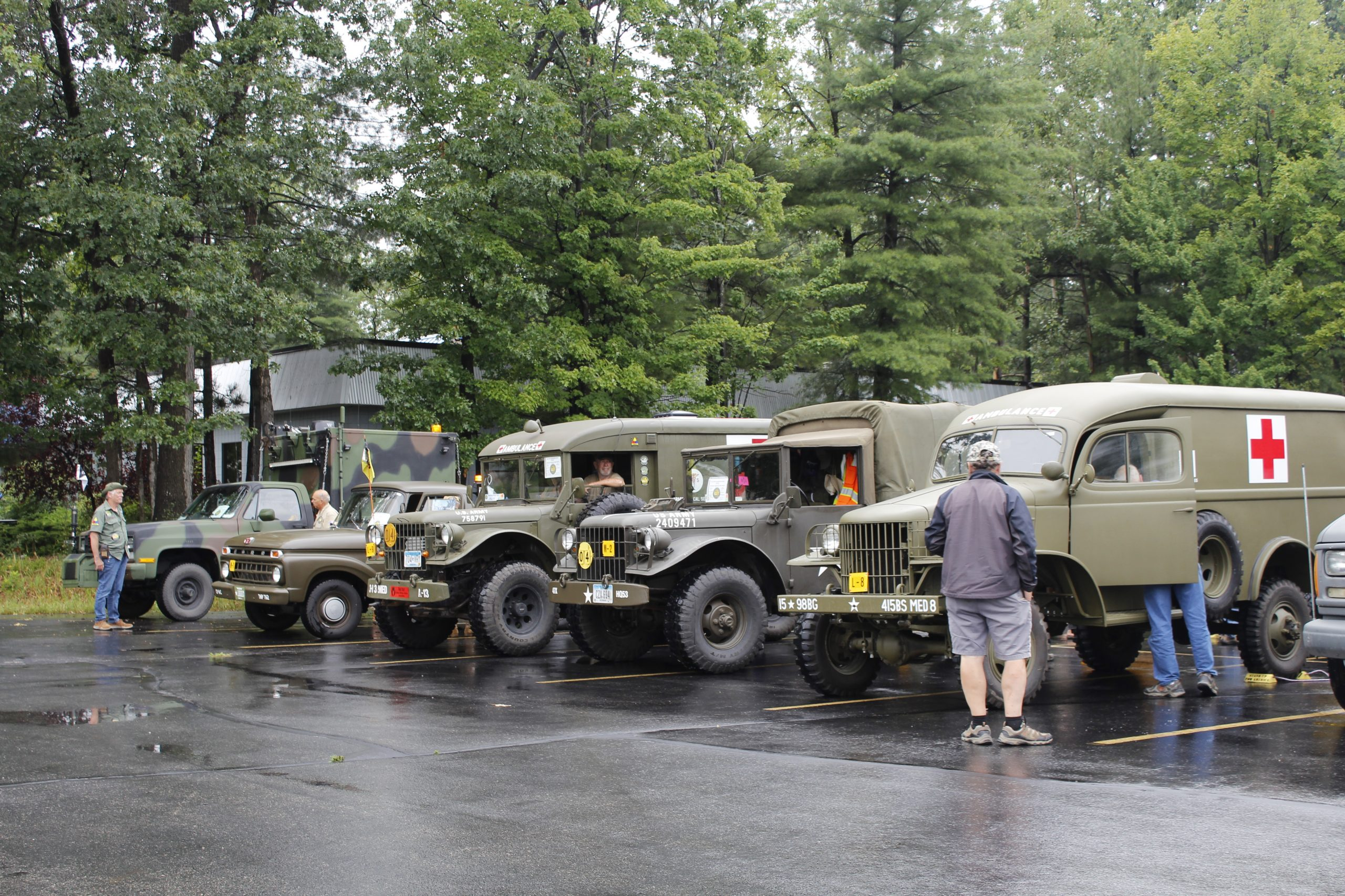 Military vehicle convoy parking lineup