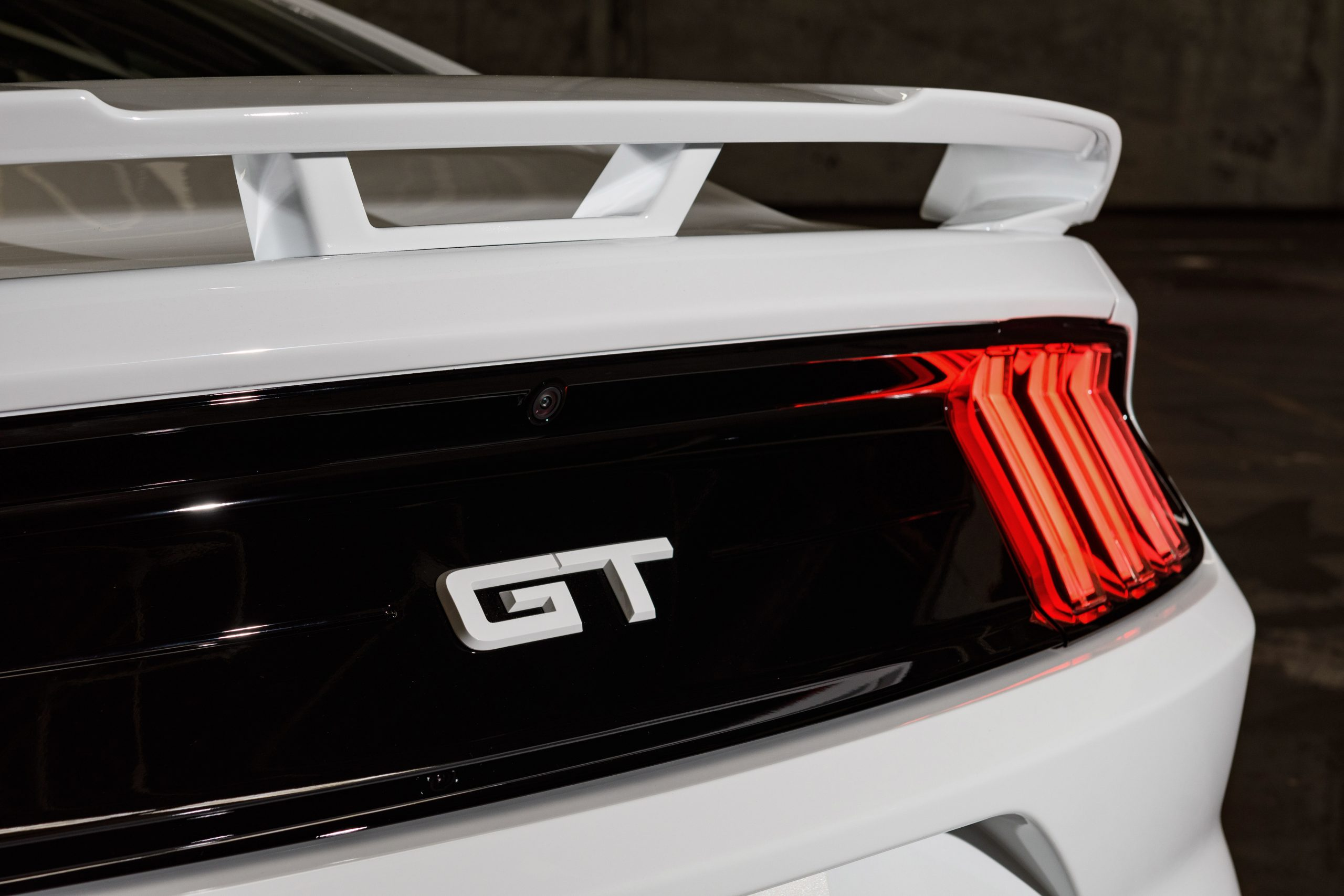 2022 Mustang Coupe Ice White Appearance Package_10