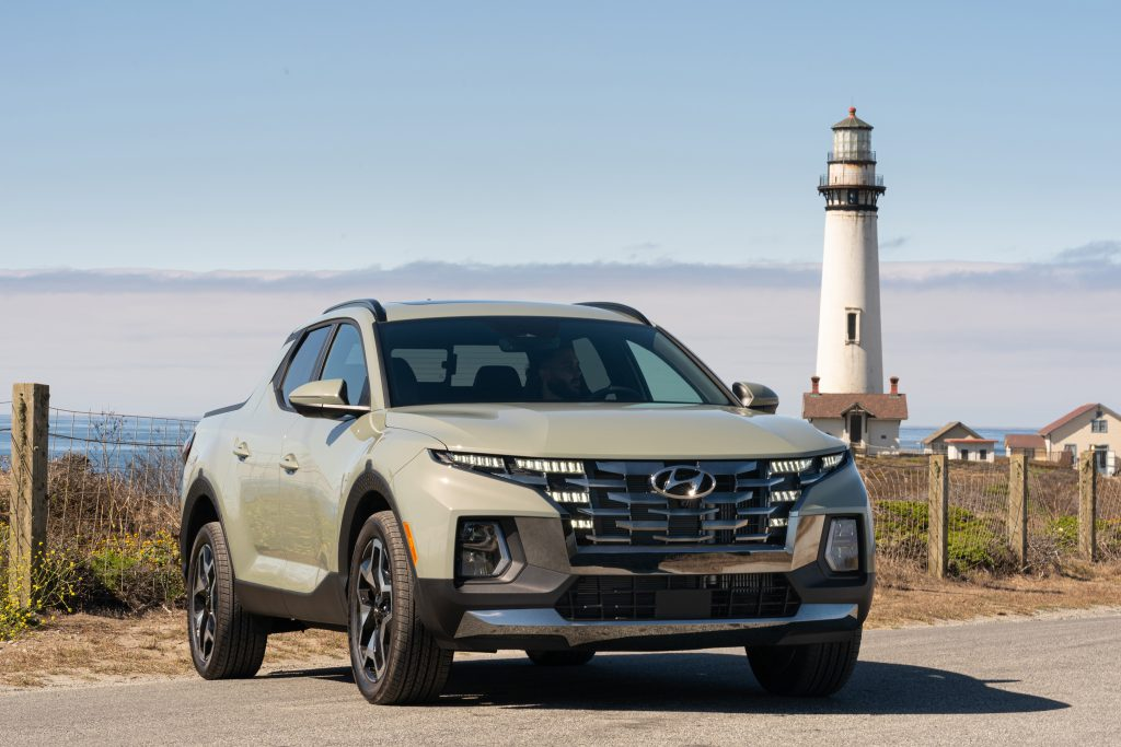 2022 Hyundai Santa Cruz Front three quarter lighthouse