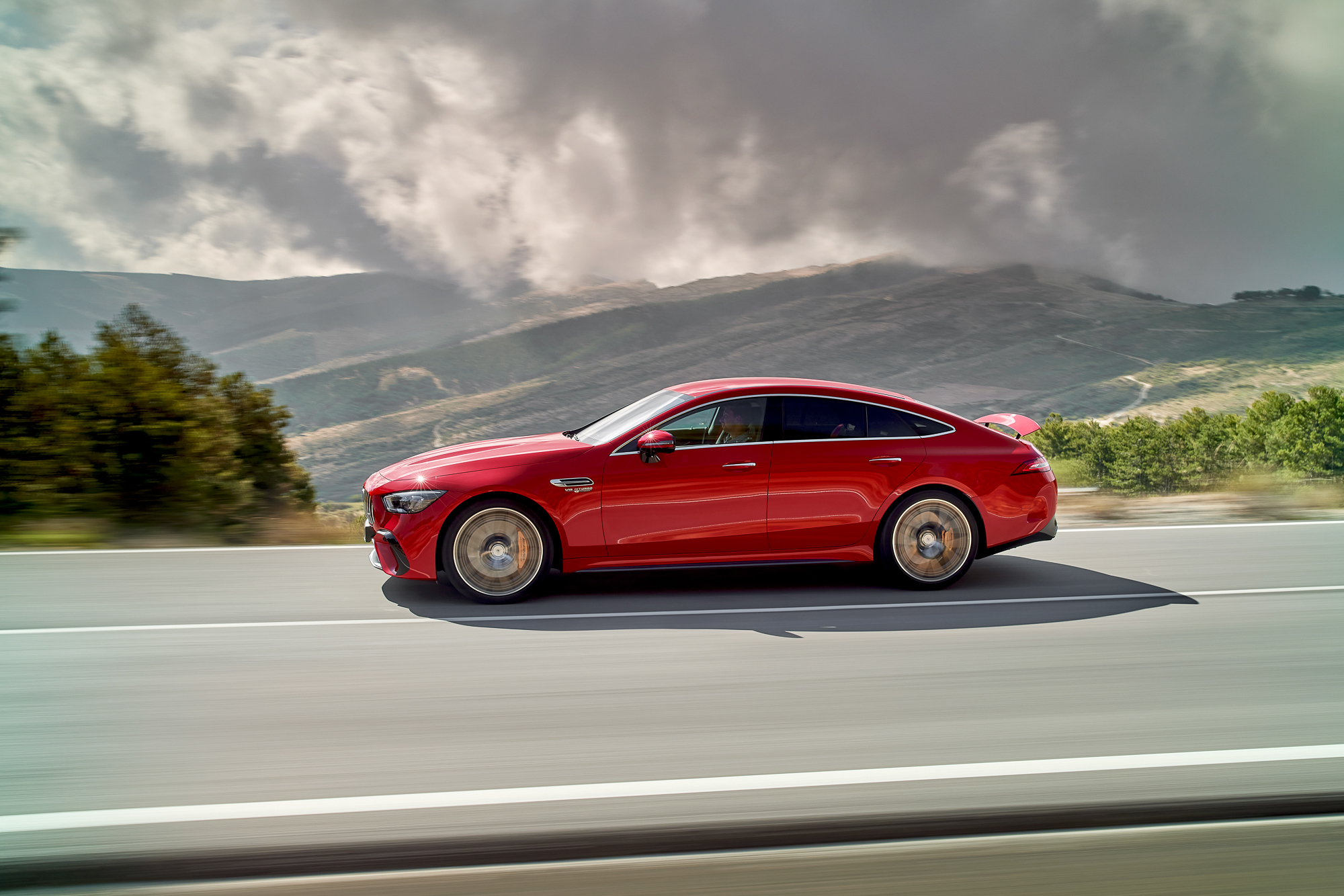 2023-Mercedes-AMG-GT-63-S-E-Performance side profile action