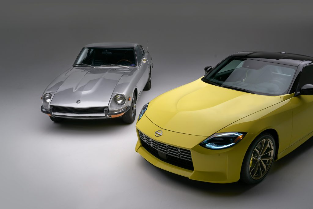 2023 Nissan Z and classic Z front