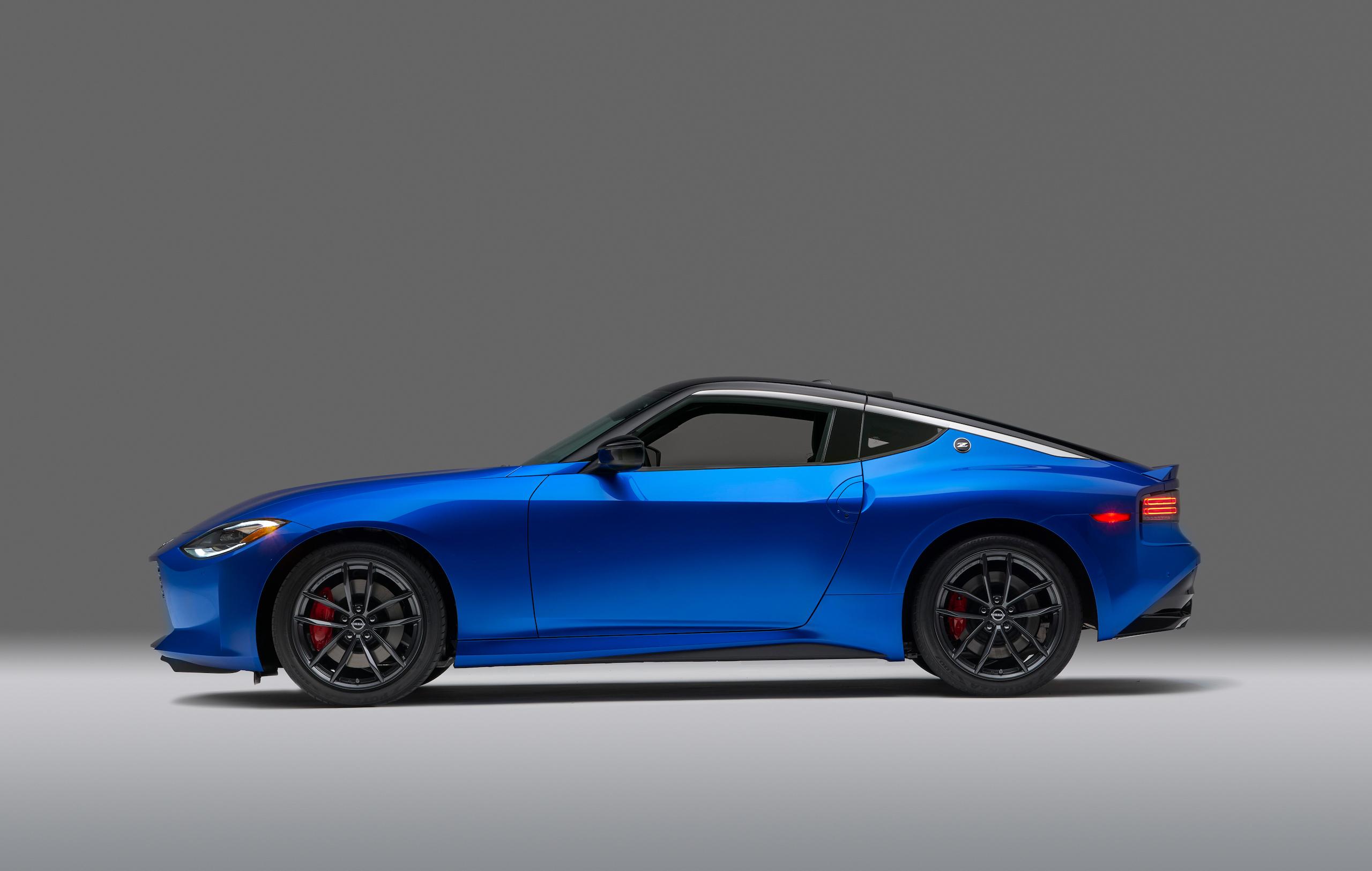 2023 Nissan Z side profile blue