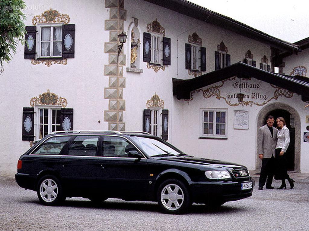 Audi S6 Avant front three-quarter