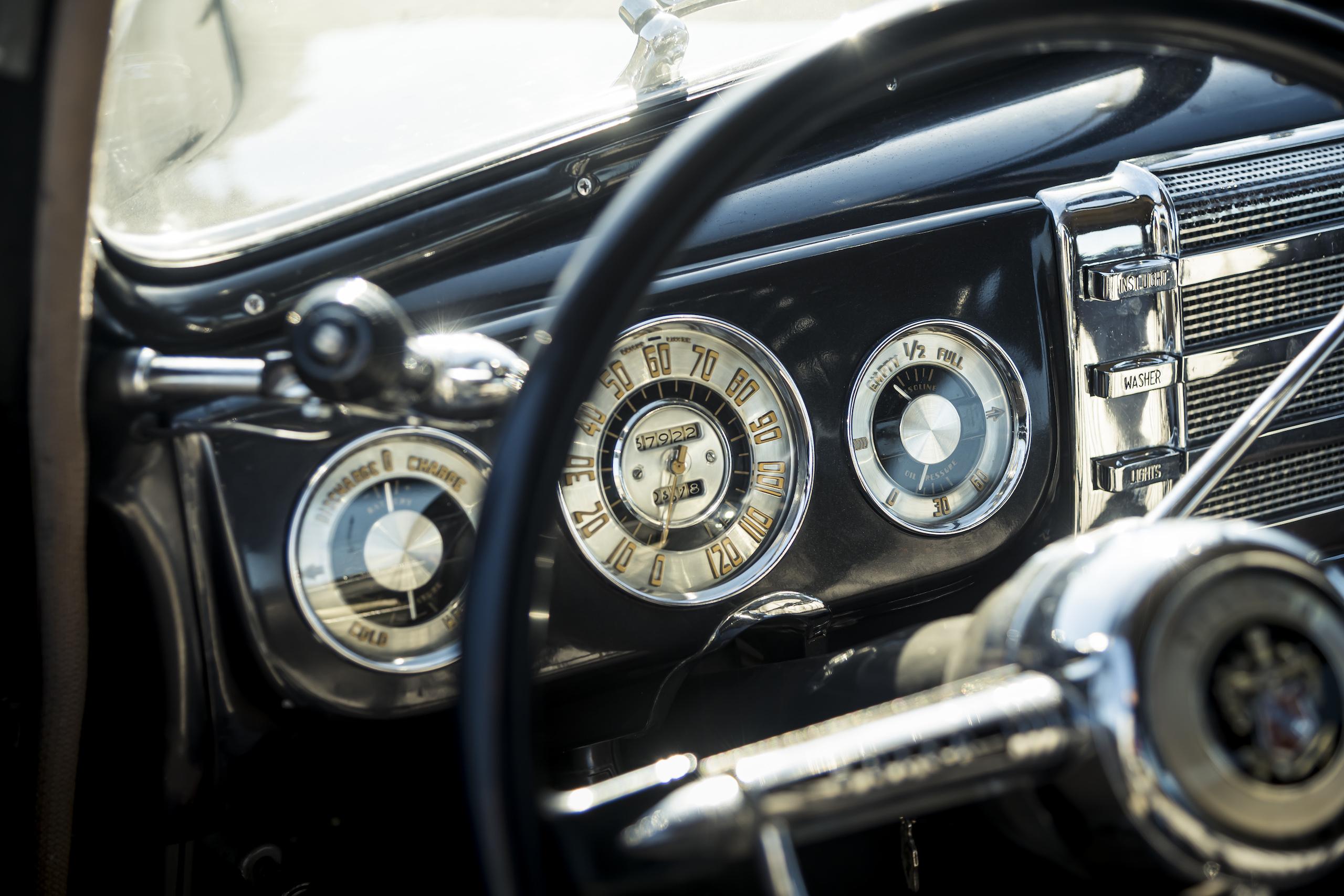 1946 Buick Special interior dash